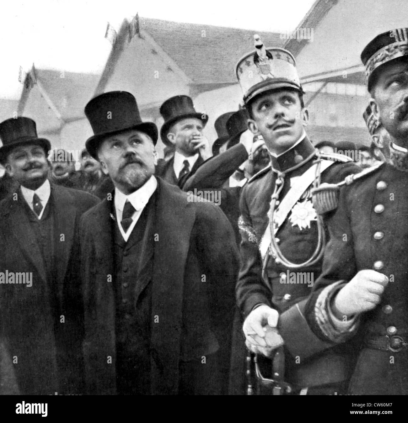 Visit of the King of Spain, Alfonso XIII, accompanied by French President Poincaré, at the Buc aviation camp - Stock Image