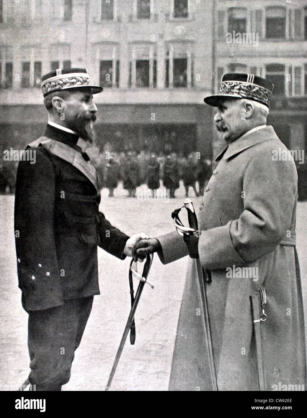 In Strasbourg Marshal Pétain congratulating General Gouraud after having awarded him cord Legion Honour (January - Stock Image