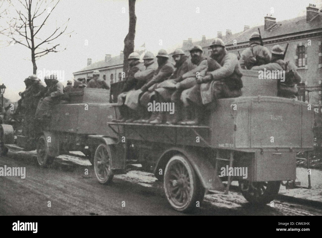 Trucks carrying reinforcements to the Battle of Verdun - Stock Image