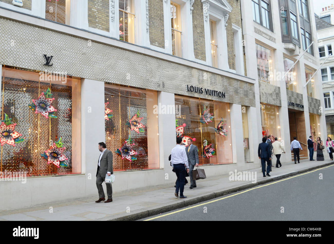 Louis Vuitton Mayfair store front - Stock Image