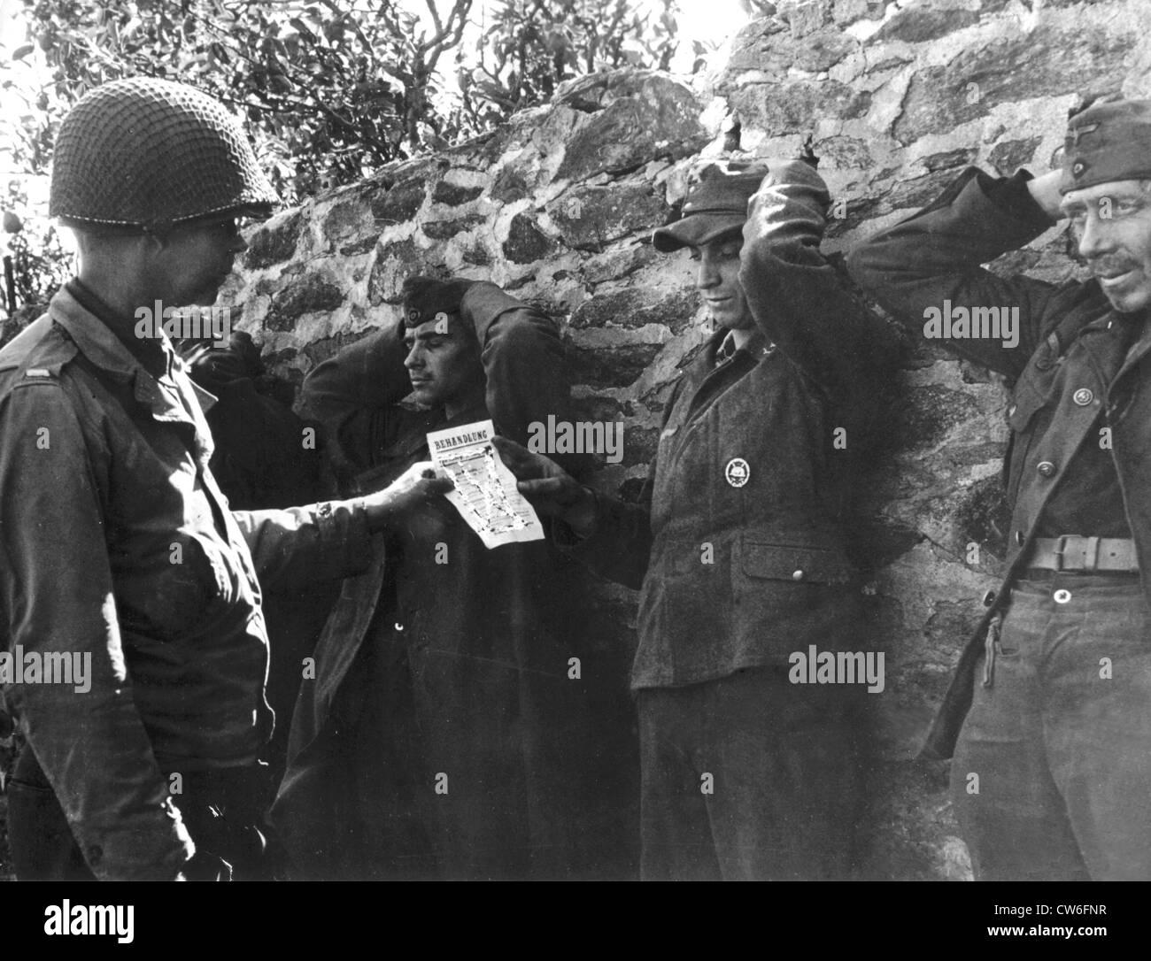 Psychological Warfare leaflet persuades Germans to surrender in France (September 1944). - Stock Image