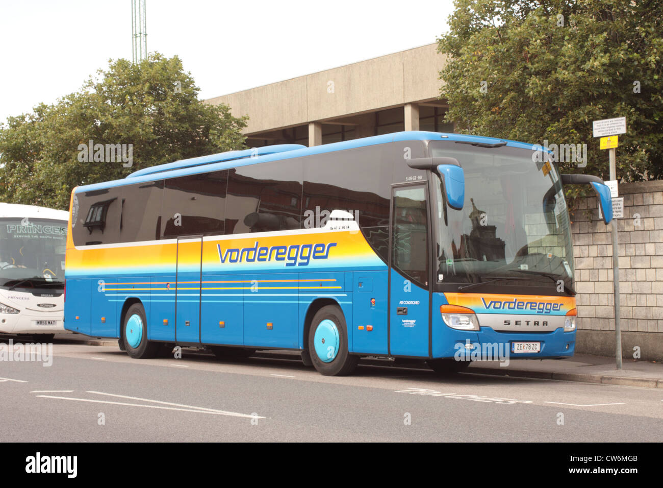 A Setra S415gt Hd Operated By Vorderegger Reisen Of Zell Am See Stock Photo Alamy