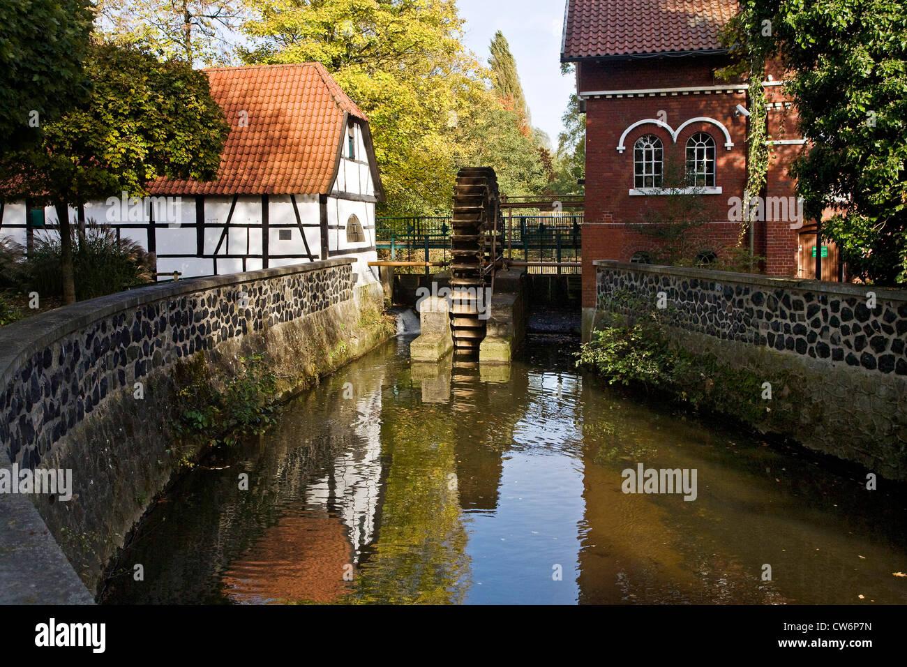 museum of mills with water mill Hiesfeld, Hiesfelder Wassermuehle , Germany, North Rhine-Westphalia, Ruhr Area, - Stock Image