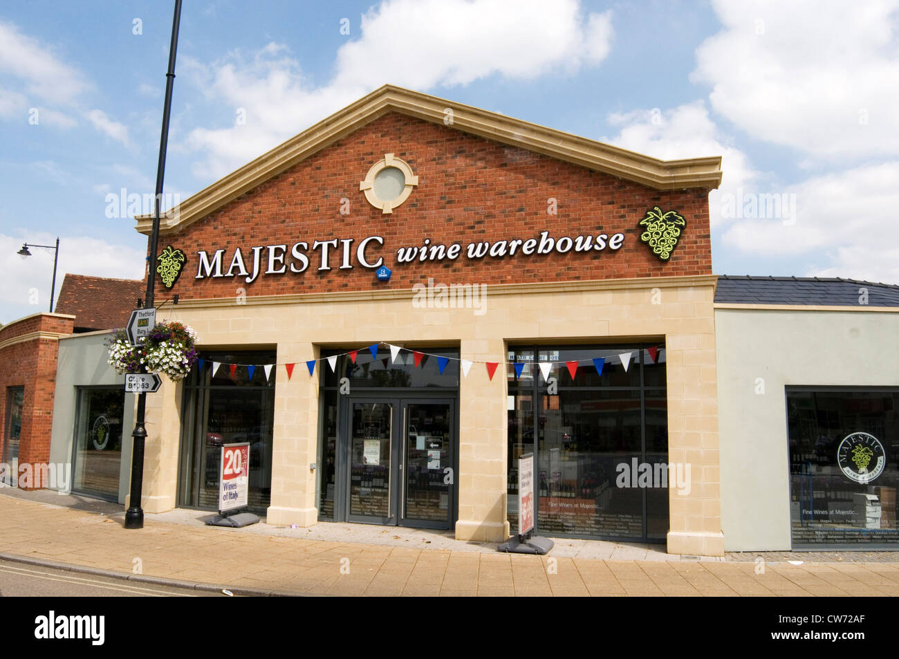 majestic wine warehouse retailer retailers off license chain alcohol brand high street merchant merchants - Stock Image