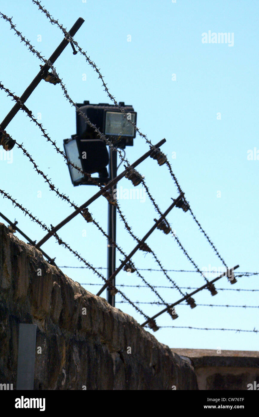 Barbed Wire Entanglement Stock Photos & Barbed Wire Entanglement ...