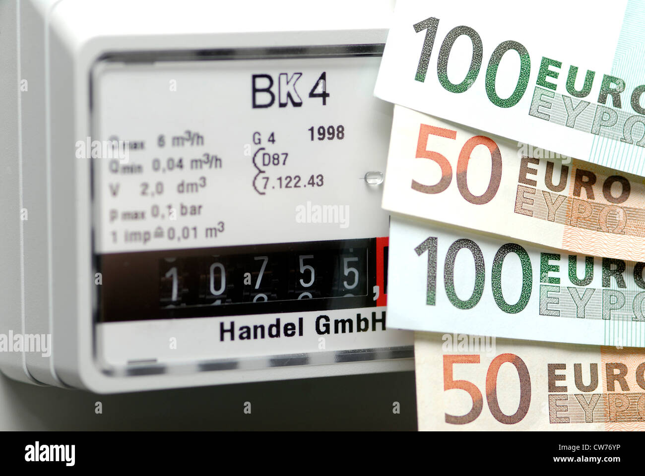high gas prise, euro banknotes and gas meter - Stock Image