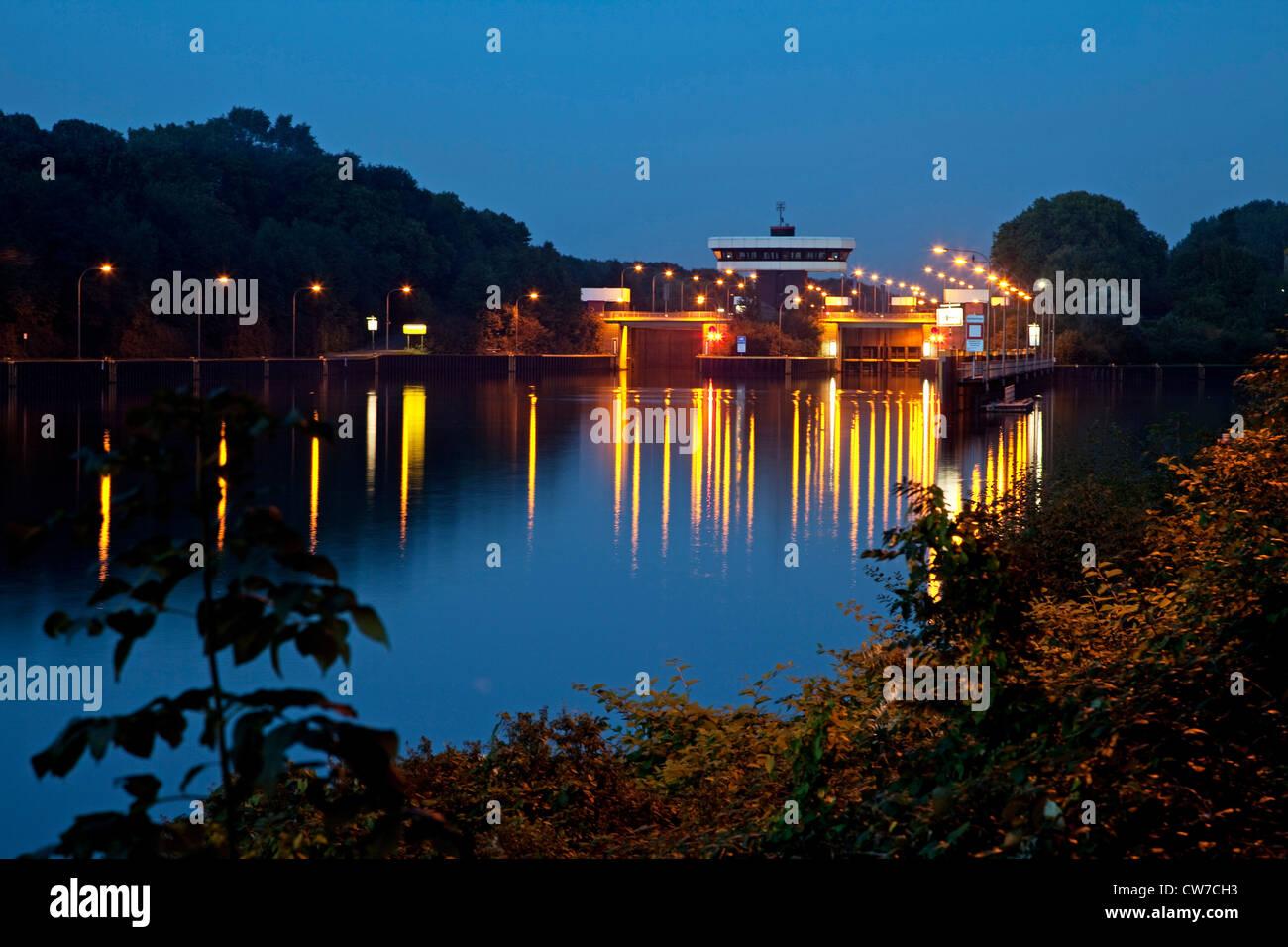watergate at Rhein Herne chanel in twilight, Germany, North Rhine-Westphalia, Ruhr Area, Gelsenkirchen - Stock Image