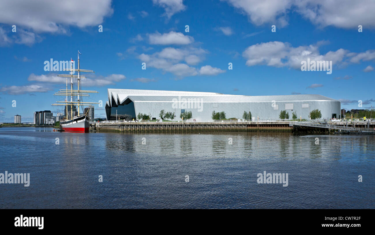 The Clyde Maritime Trust owned Tall Ship Glenlee moored at the newly built Riverside Museum on the River Clyde in Stock Photo