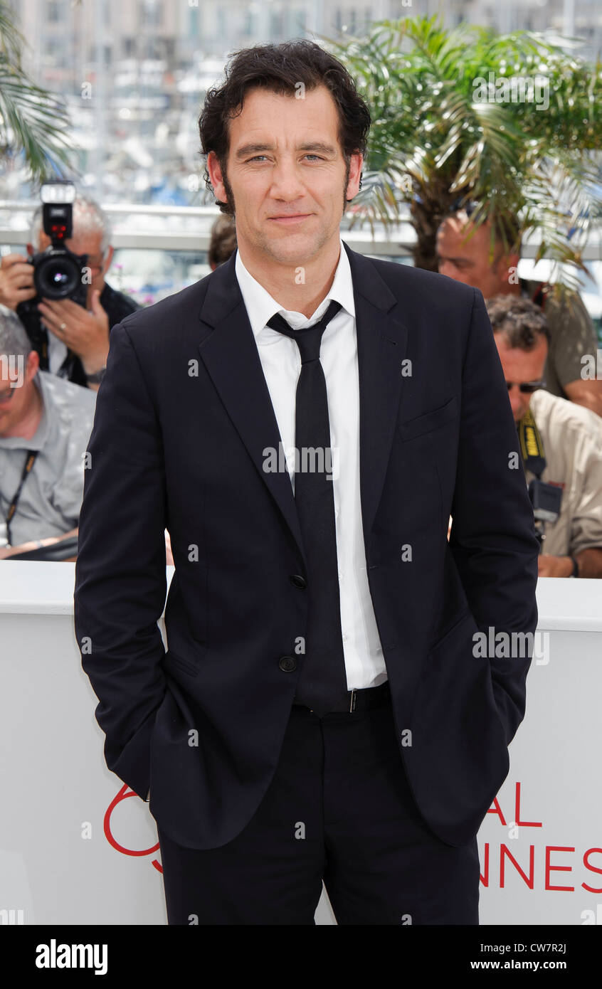 Clive Owen during a photo call for Hemmingway and Gellhorn at the 65th international film festival, in Cannes. - Stock Image