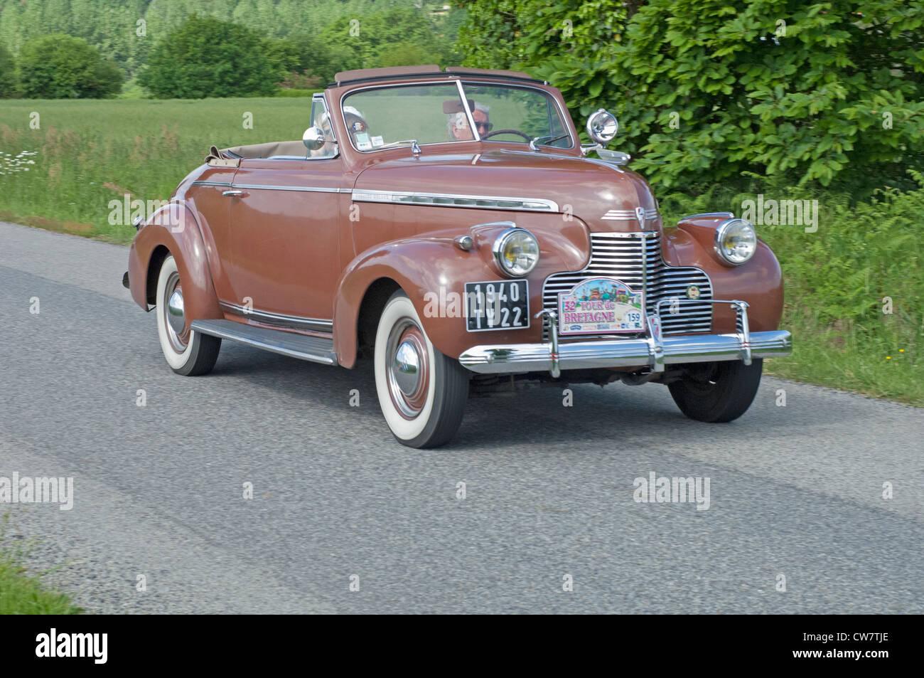 Chevrolet Cabriolet de Luxe of 1940 in the Tour de Bretagne 2012 - Stock Image