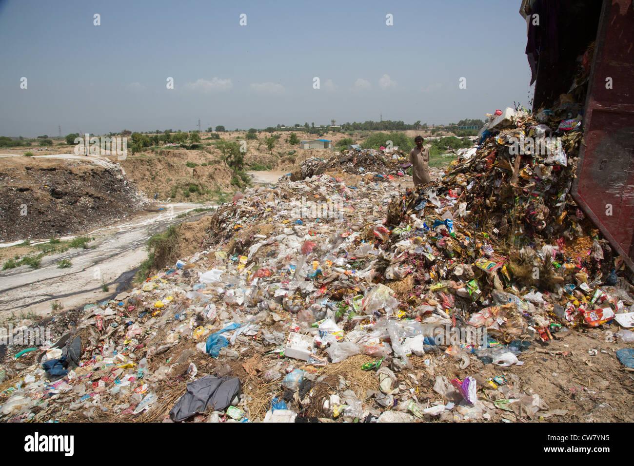 Garbage dump in Islamabad, Pakistan - Stock Image