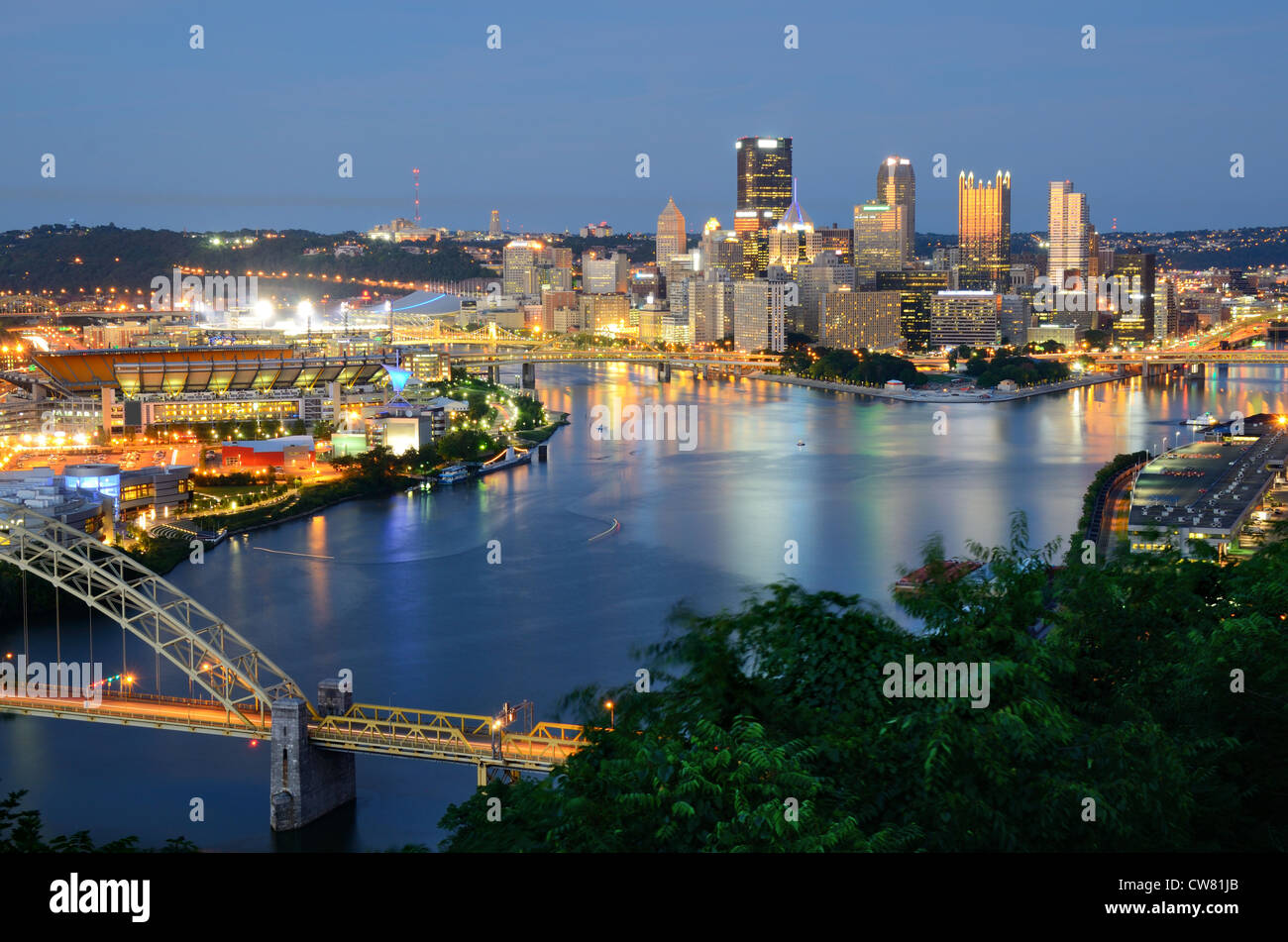 West End Bridge and downtown Pittsburgh, Pennsylvania, USA. - Stock Image