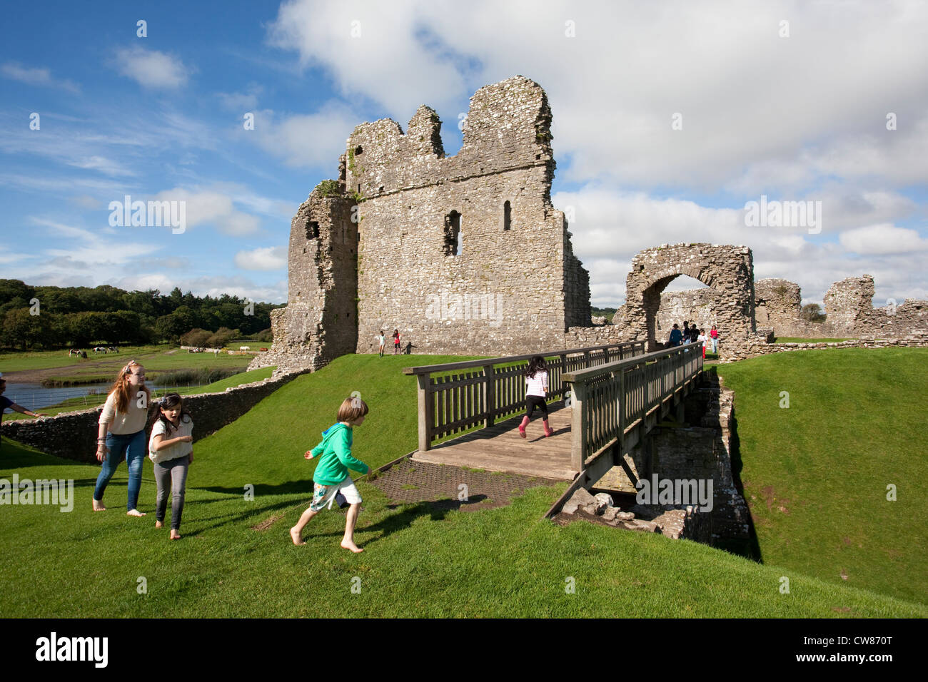 Ogmore Castle, Ogmore-by-Sea, Vale of Glamorgan, Wales - Stock Image