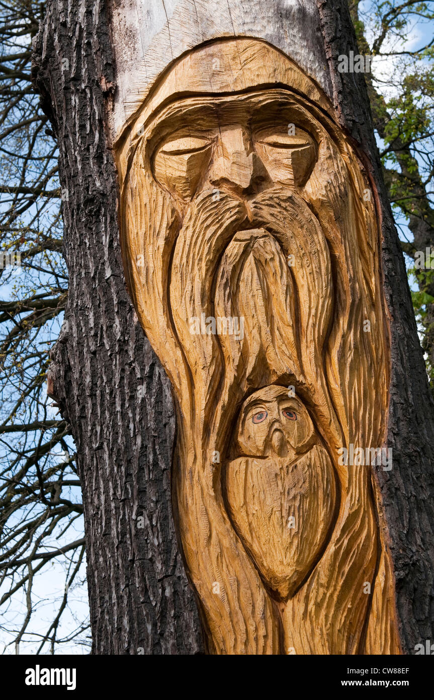 Wood Sculpture by Mark Butler at Strelley Recreation Ground, Nottingham England UK - Stock Image