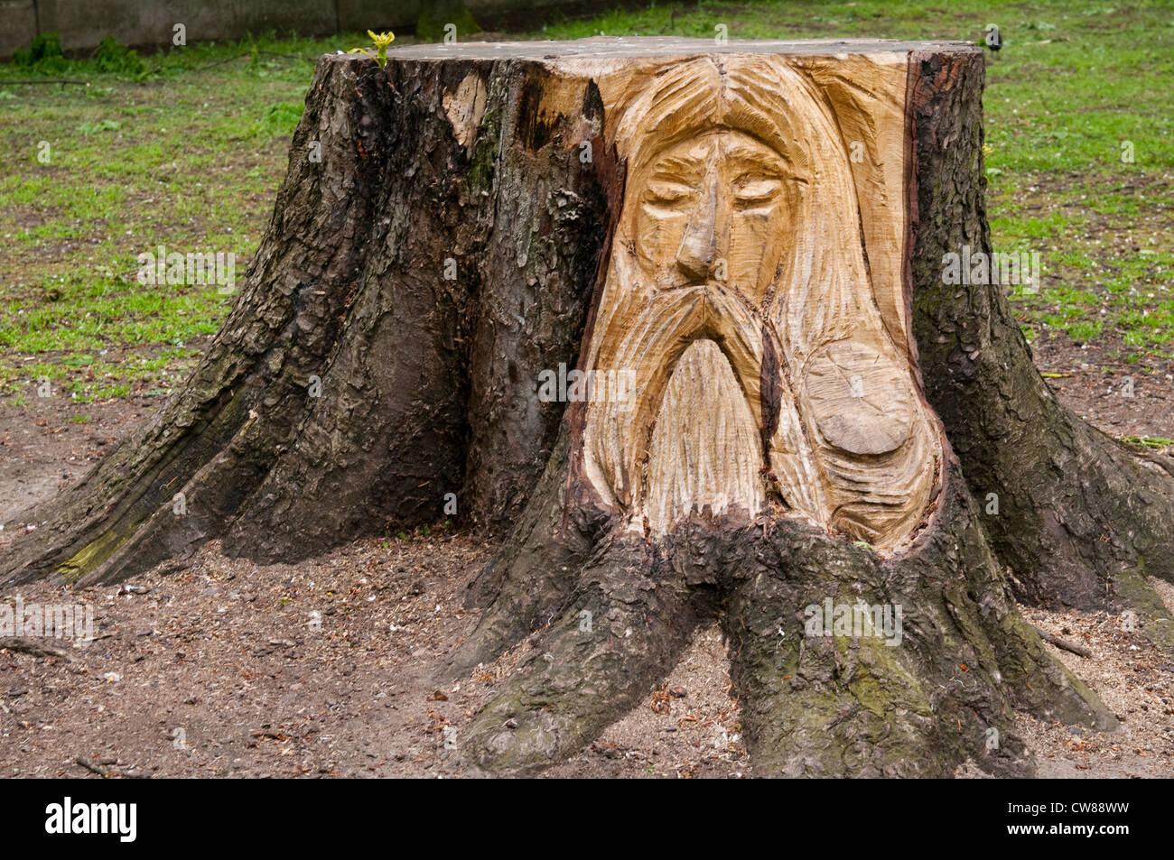 Wood Sculpture by Mark Butler at Vernon Park in Nottingham, Nottinghamshire England UK - Stock Image