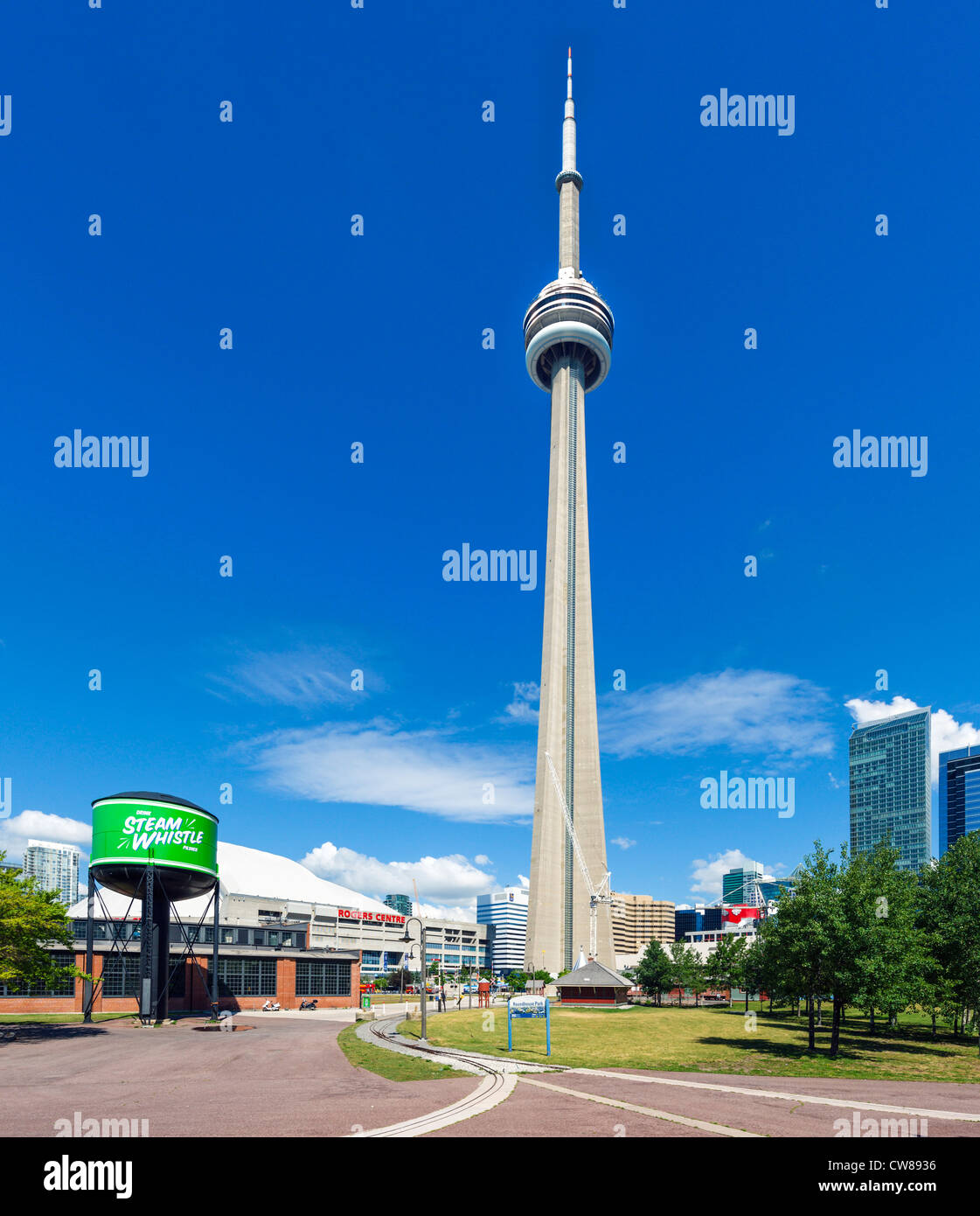 Toronto Canada Modern Houses: The CN Tower From Roundhouse Park, Toronto, Ontario