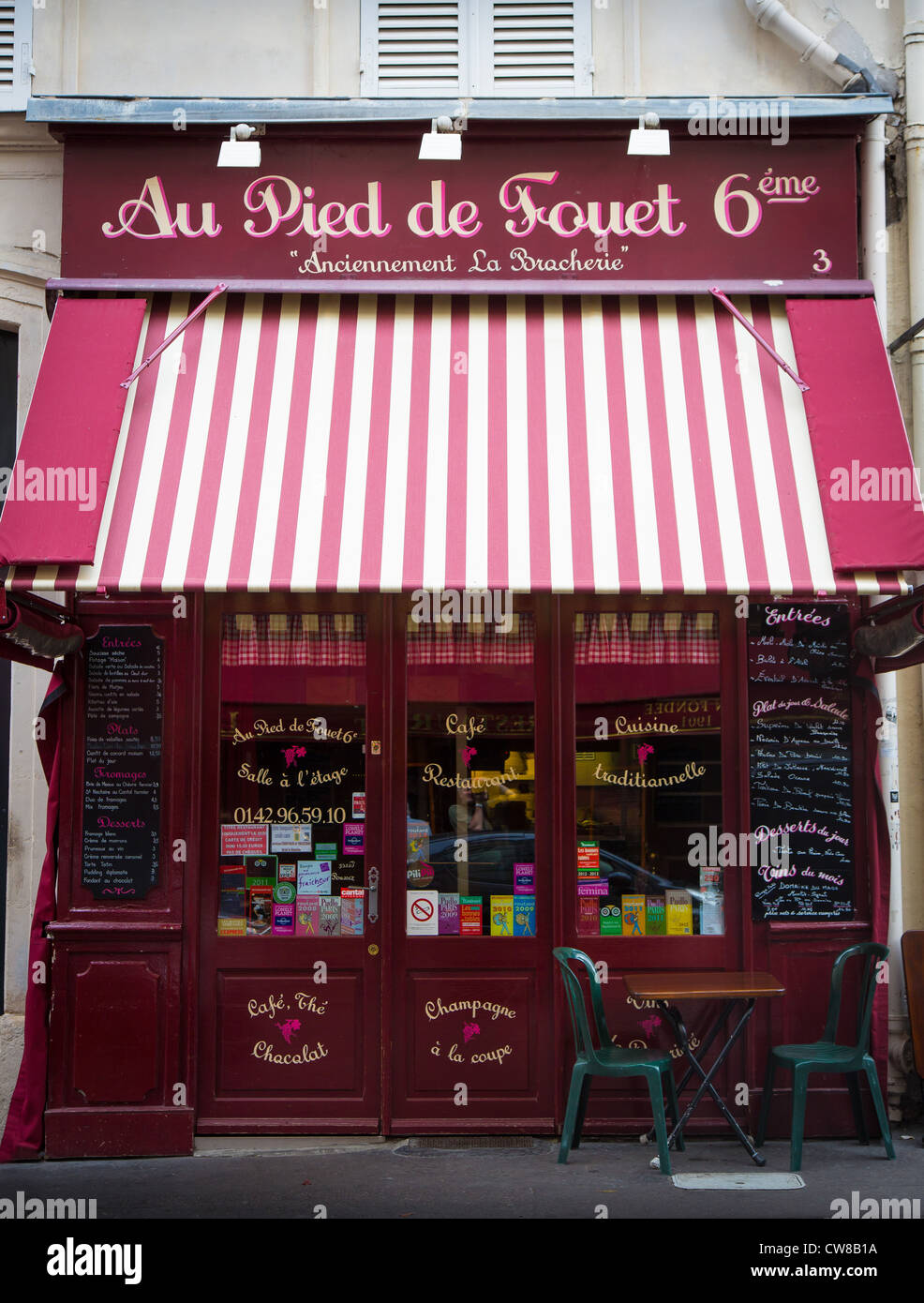 A small cafe, or bistro, in Paris, France - Stock Image