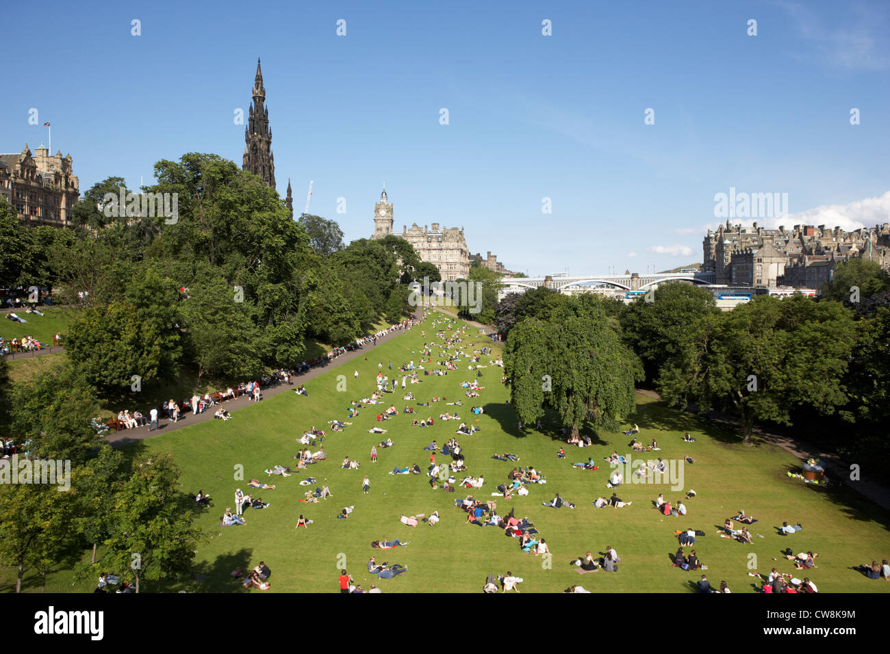 princes street gardens on a hot summers day in edinburgh scotland uk united kingdom - Stock Image