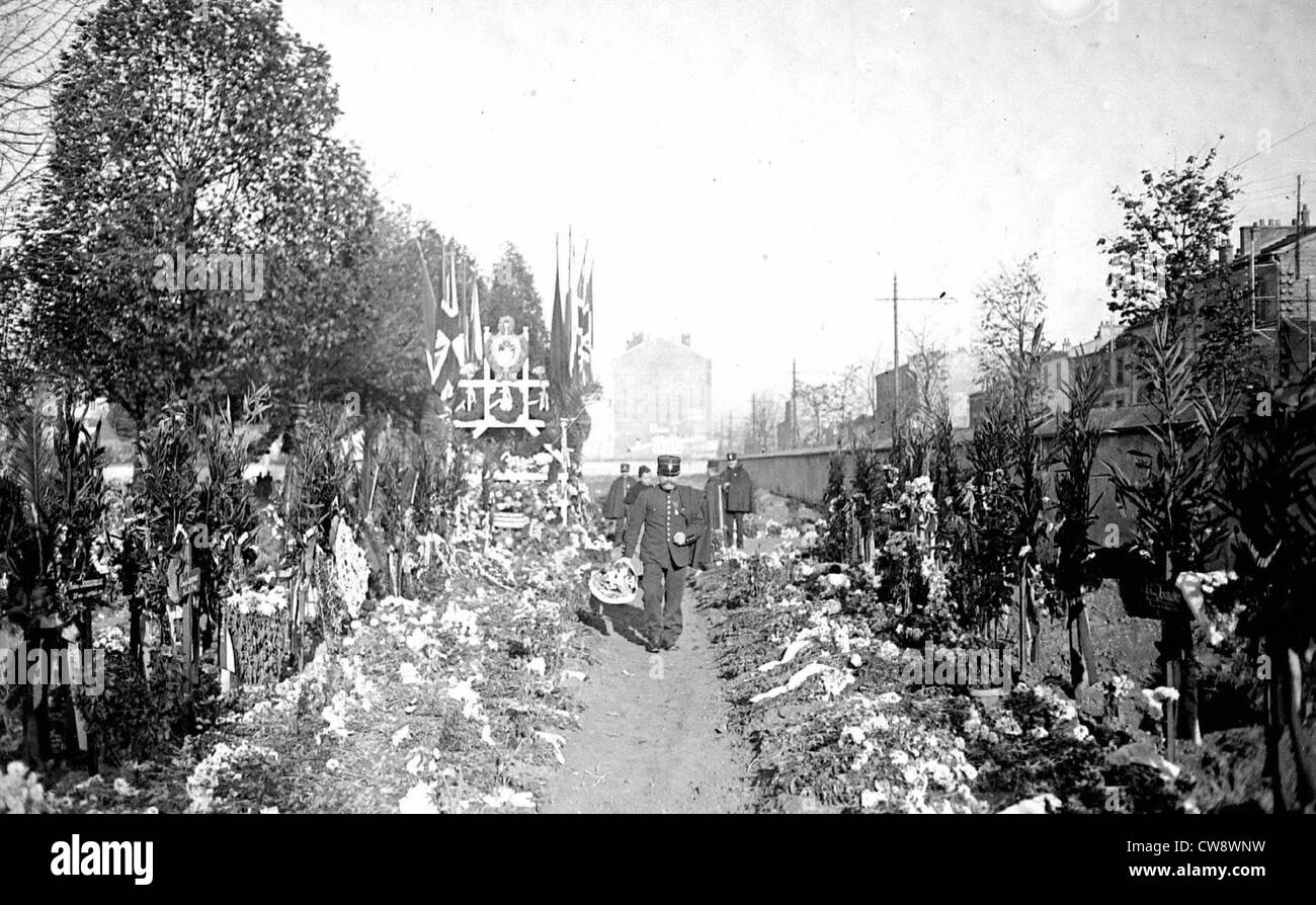 Paris, Ivry cemetary, All Saints Day - Stock Image