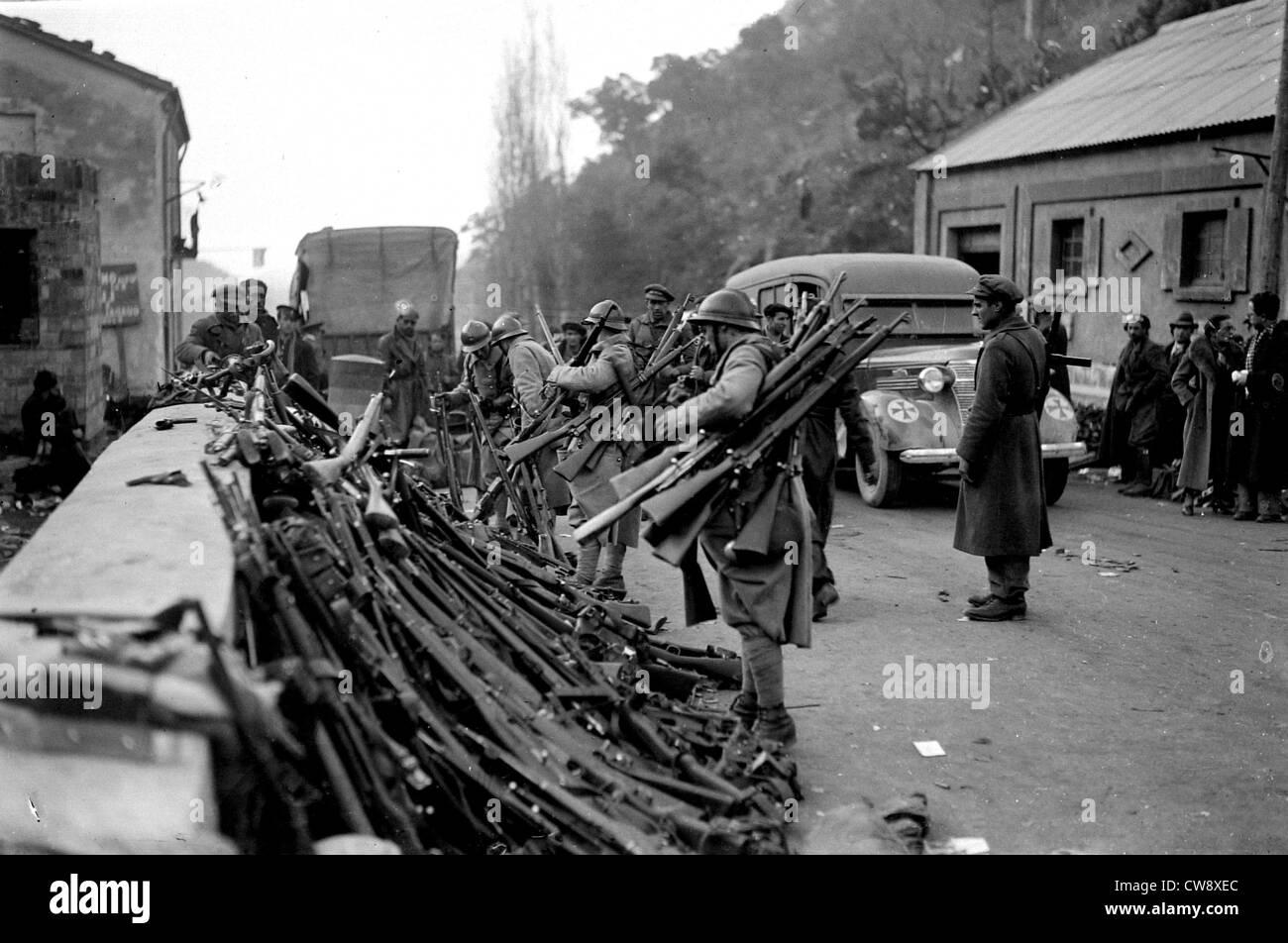 Spanish border, The Spanish militia surrenders - Stock Image