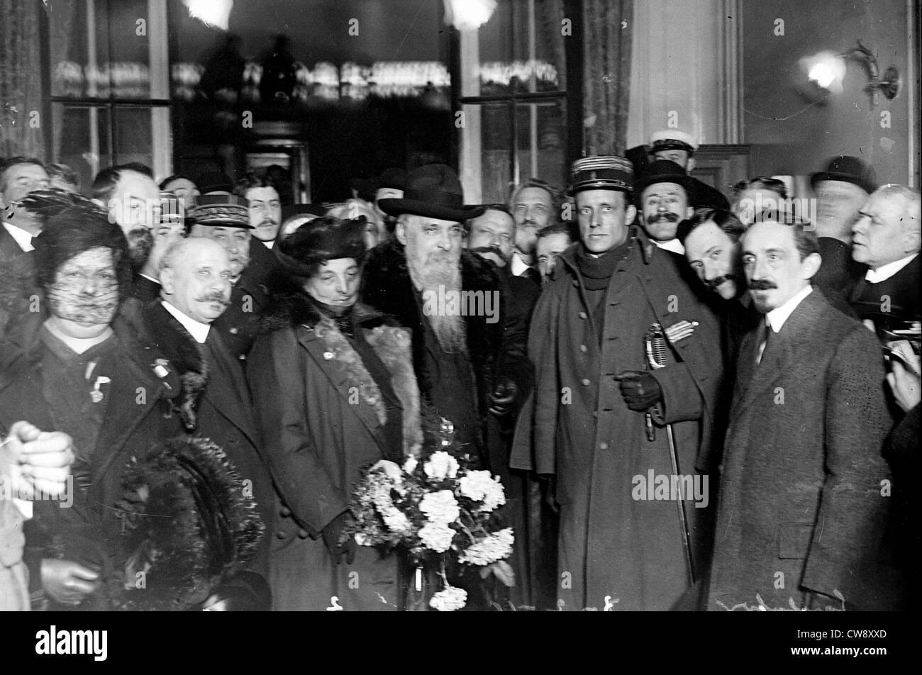Paris Arrival at Gare de Lyon General Ricciotti Garibaldi accompanied Mrs. Garibaldi Colonel Peppino Garibaldi - Stock Image