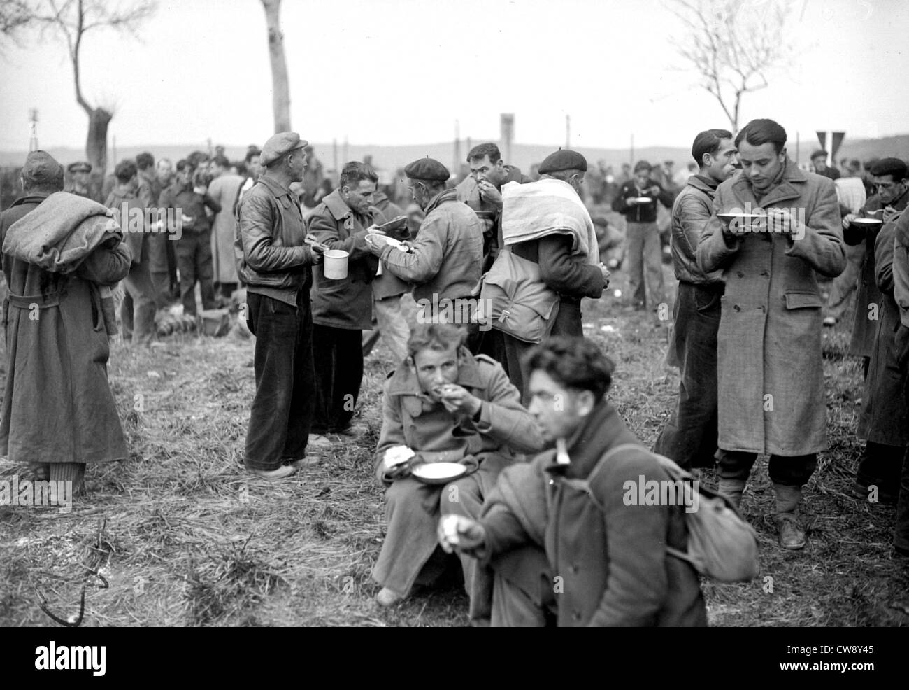 Spanish refugees. Militia at the Boulou camp - Stock Image