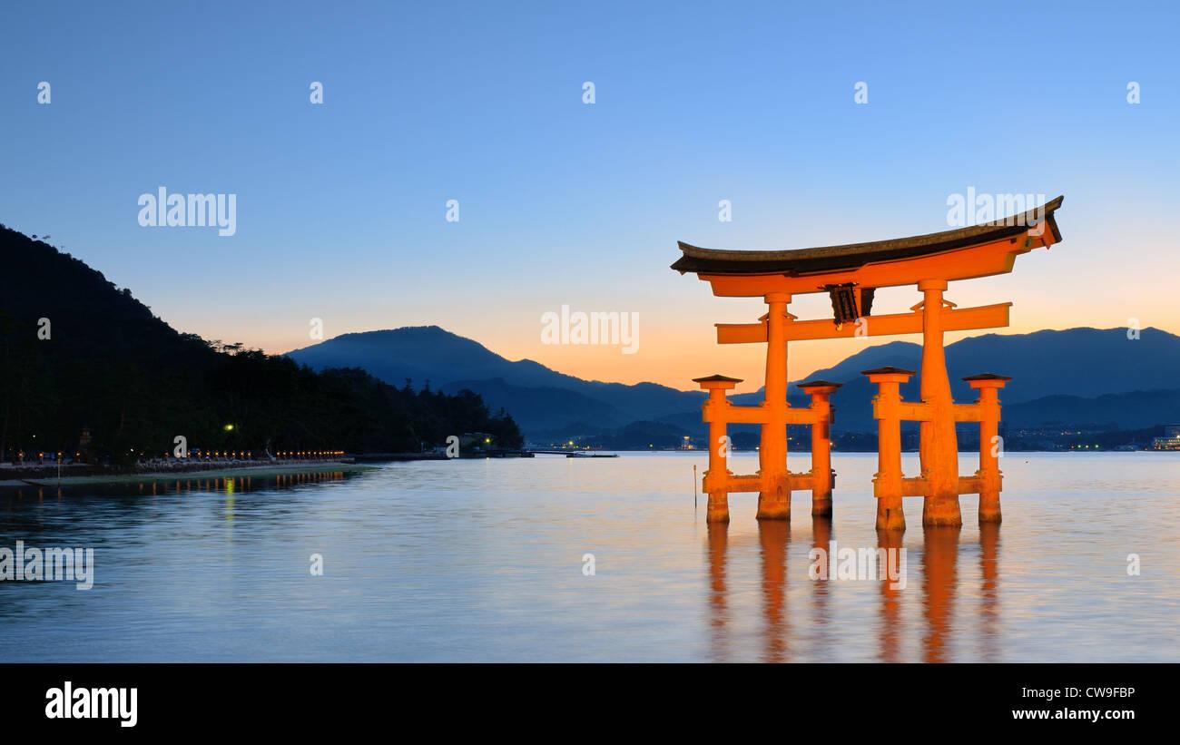 The Itsukushima 'Floating' Torii Gate off the coast of the island of Miyajima, Japan - Stock Image