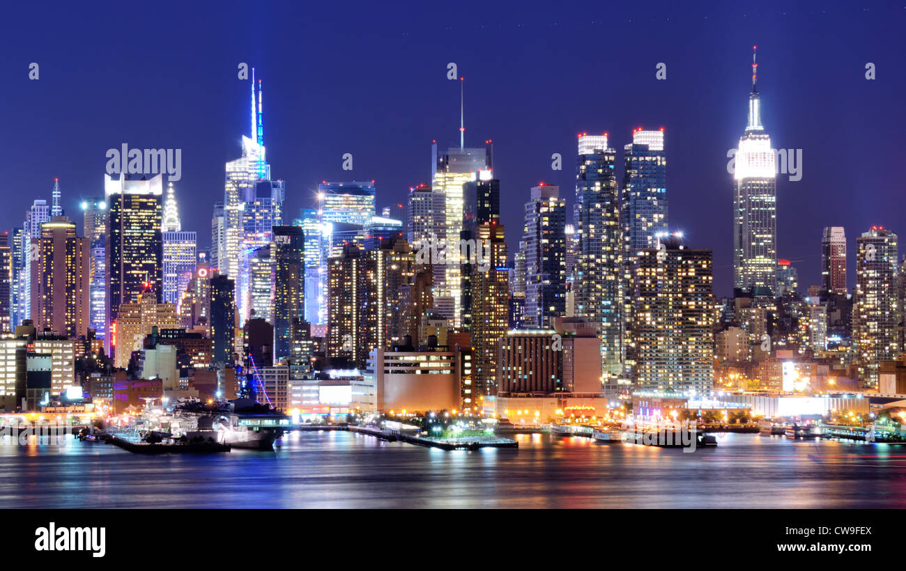 Skyline and modern office buildings of Midtown Manhattan viewed from across the Hudson River. - Stock Image