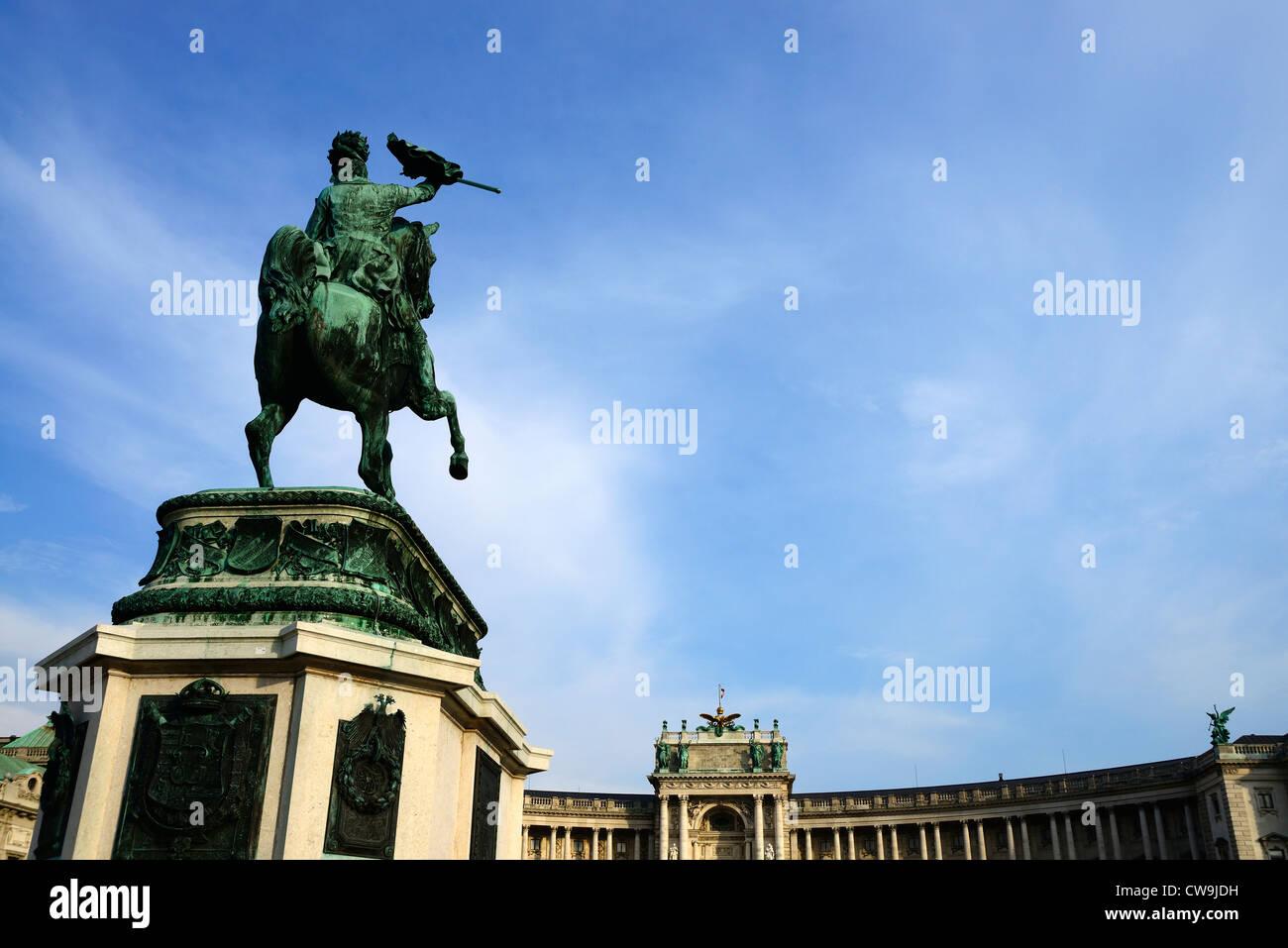 Heldenplatz: Staue of Archduke Charles, Duke of Teschen - Stock Image