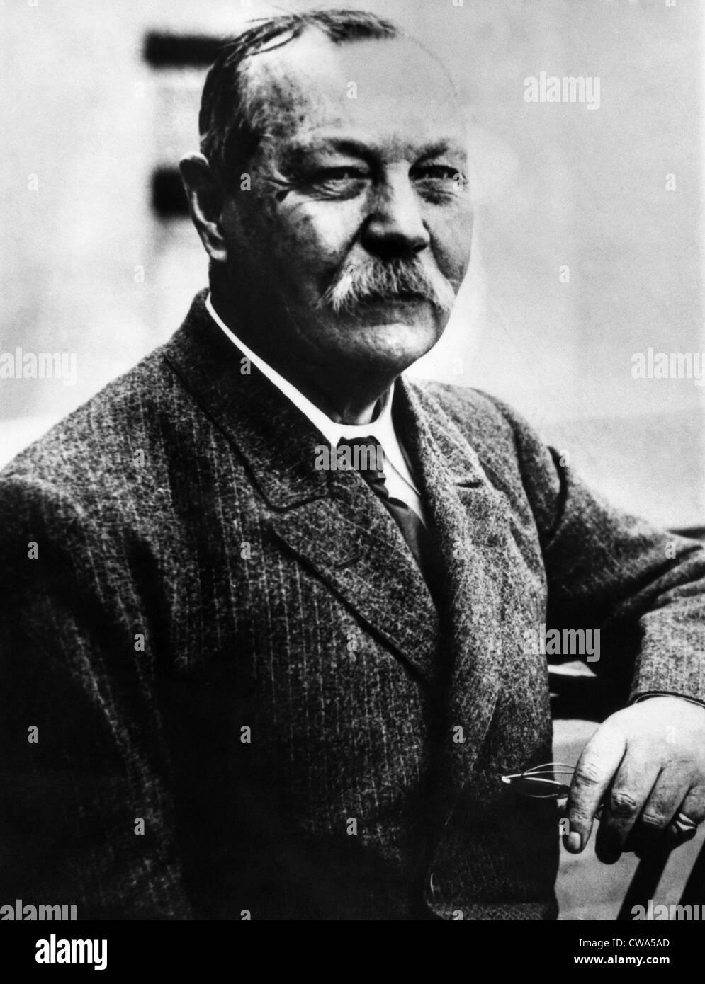 Sir Arthur Conan Doyle (1859-1930). Courtesy: CSU Archives/Everett Collection - Stock Image