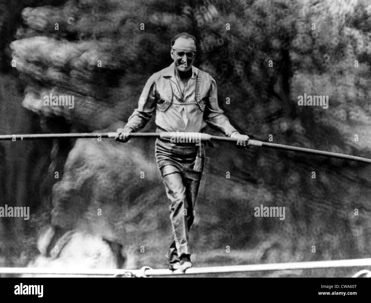 Founder of The Flying Wallendas, Karl Wallenda, (1905-1978),  tightrope walking across the Tallulah Gorge in Georgia, - Stock Image