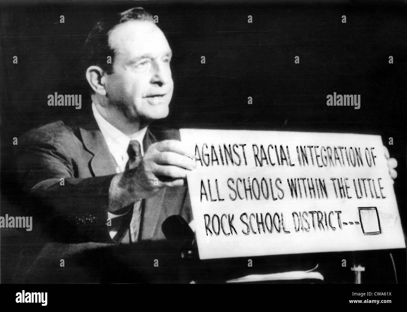 Governor Orval Faubus (D) appears on TV program here late 9/26/58 urging voters to declare themselves ooposed to - Stock Image