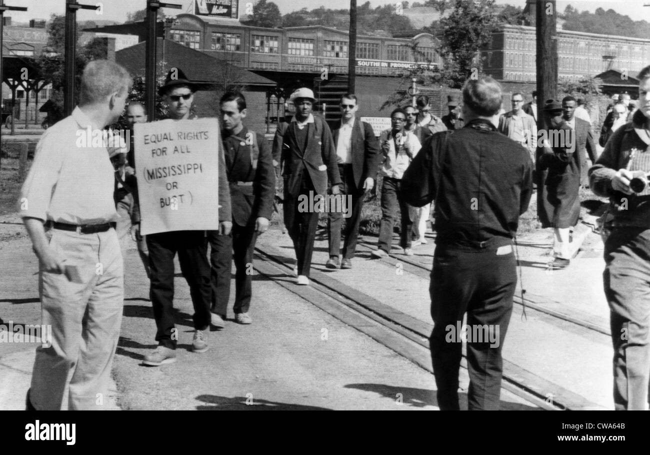 Men in the fight for Civil Rights participate in a memorial trek from Chatanooga, Tennesse to Jackson, Mississipi. - Stock Image