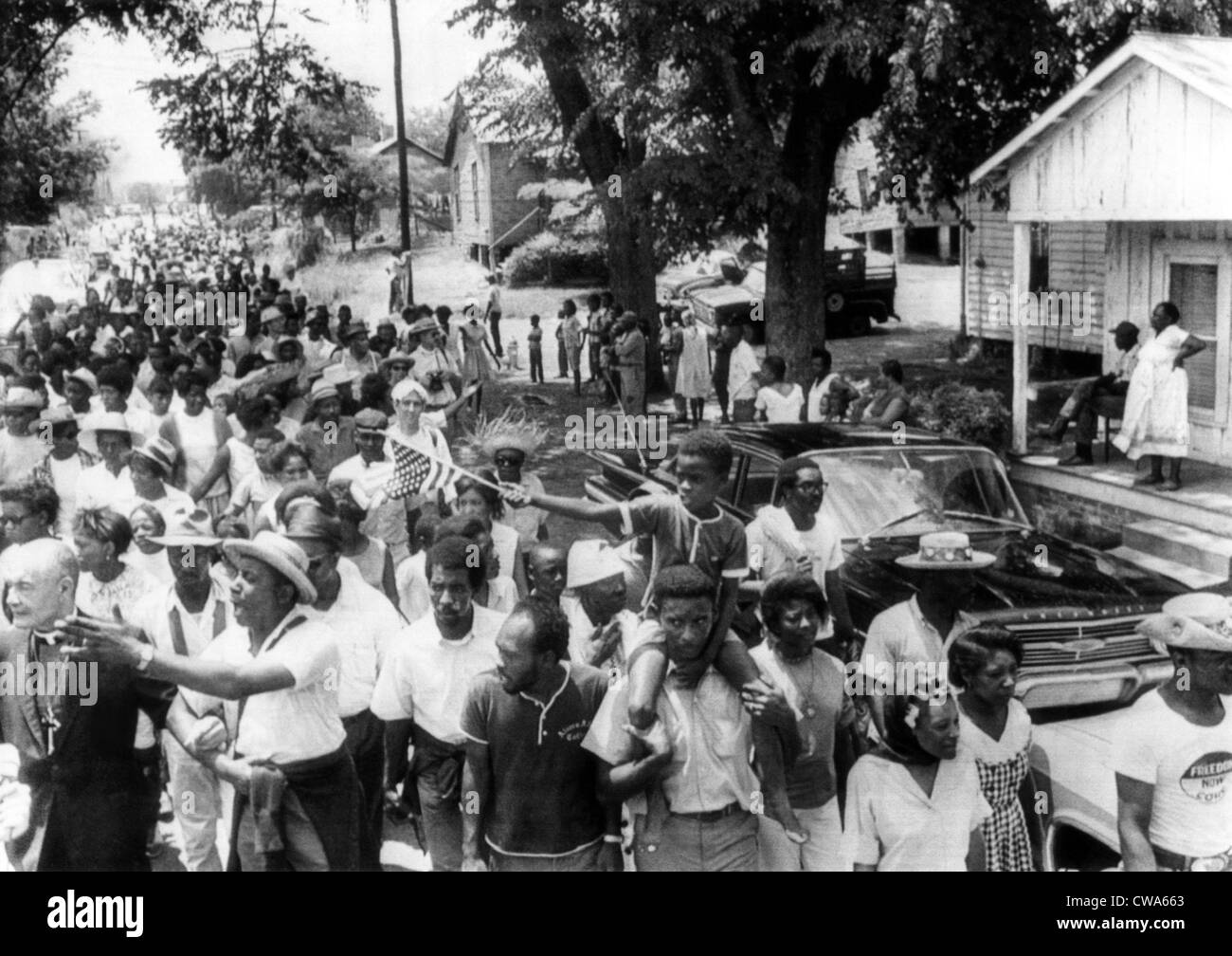 'Mississippi Freedom Marches' enter the small town of Granada, Mississippi. Floyd McKissick (front left - Stock Image