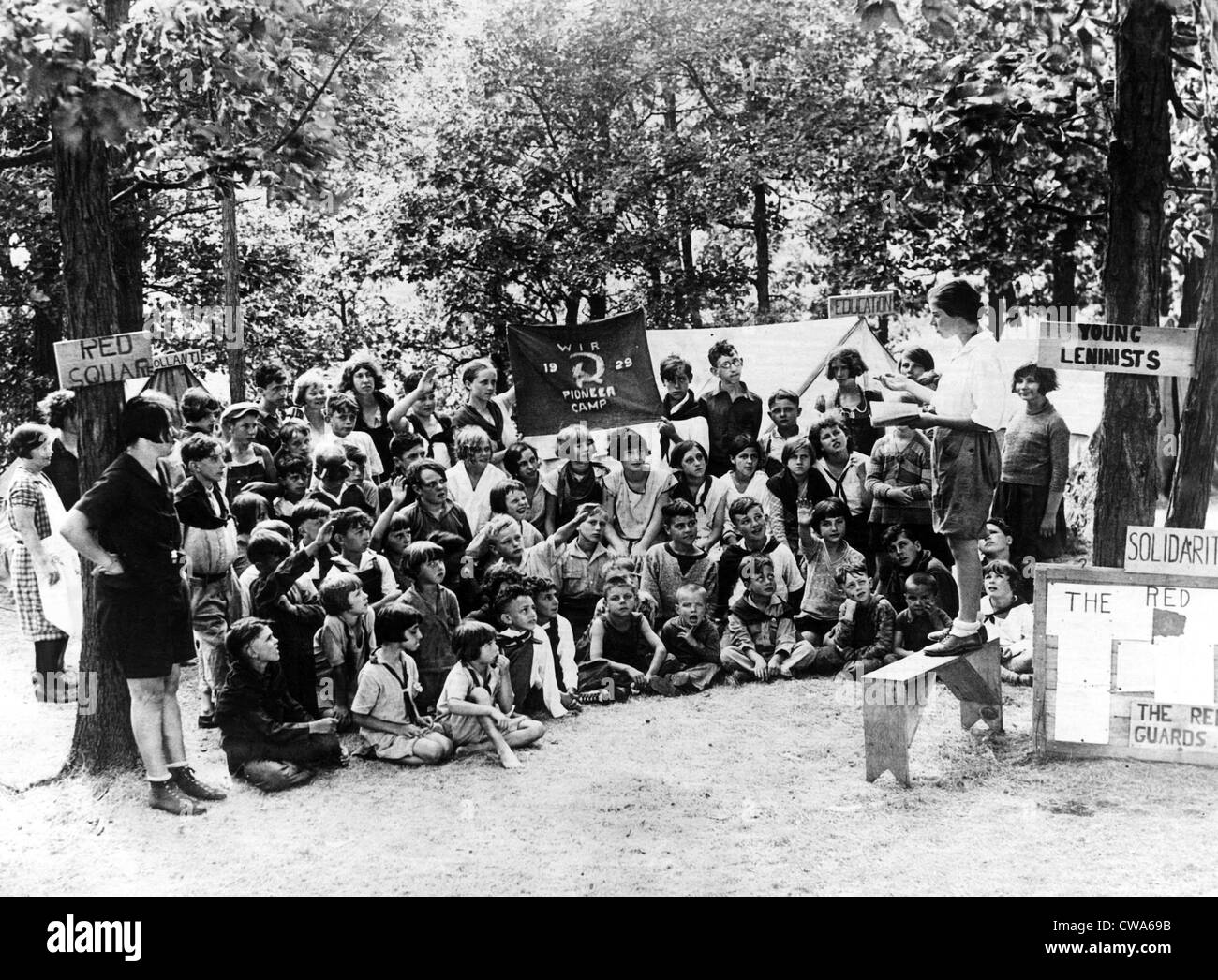 Children attend a summer camp in Wisconsin where they learn about communism. The camp is conducted by the Workers - Stock Image