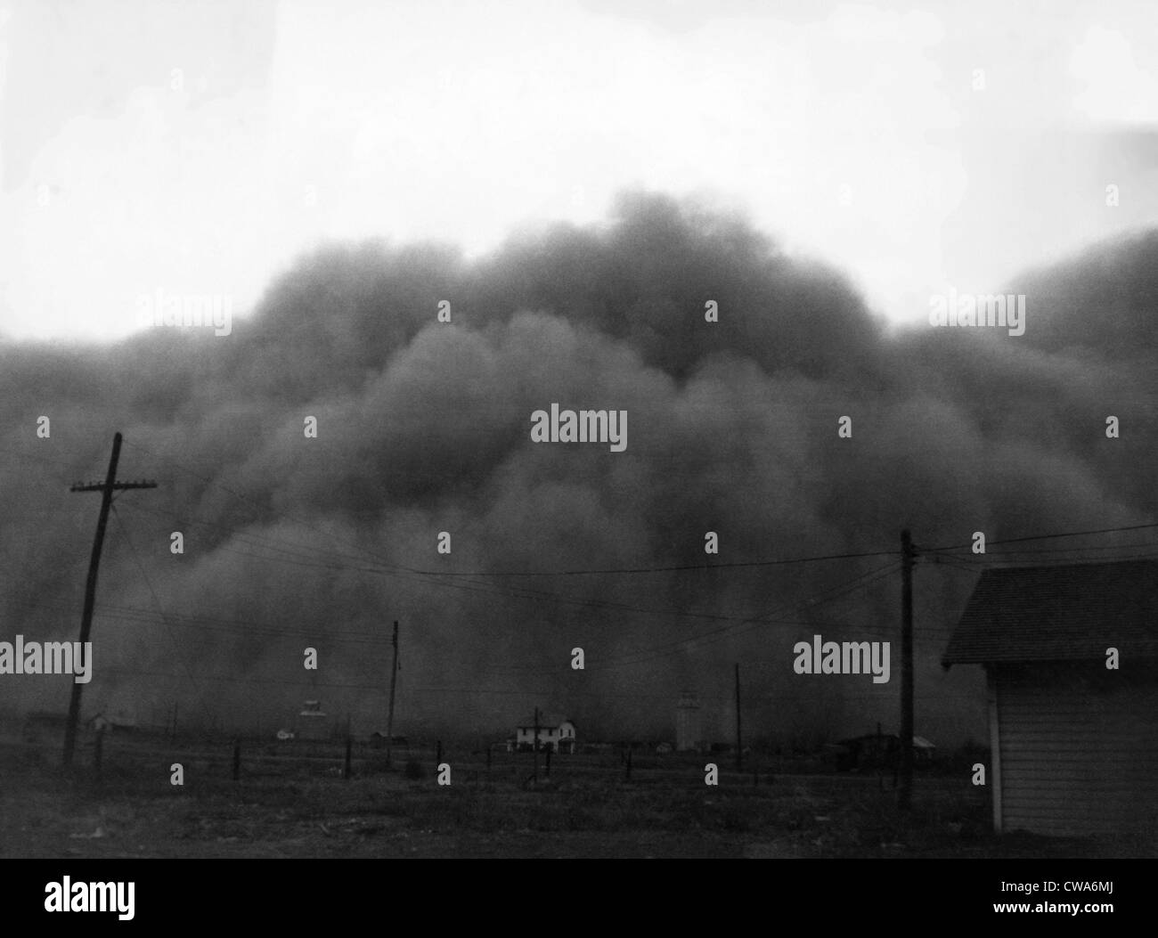 A dust storm in Hugoton, Kansas, 1936. Courtesy: CSU Archives/Everett Collection - Stock Image