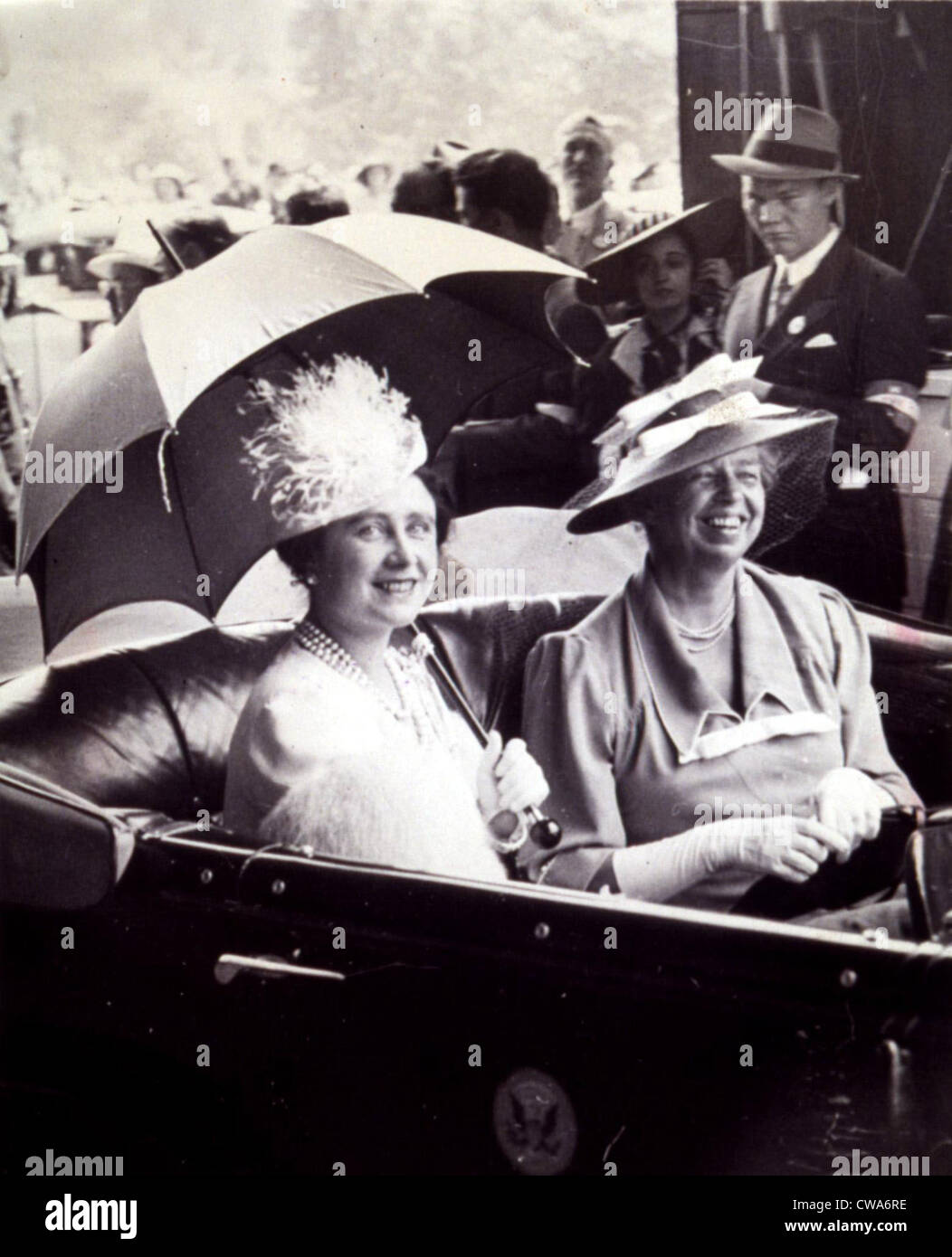 ELEANOR ROOSEVELT with Queen Mother Elizabeth in 1939.. Courtesy: CSU Archives / Everett Collection - Stock Image