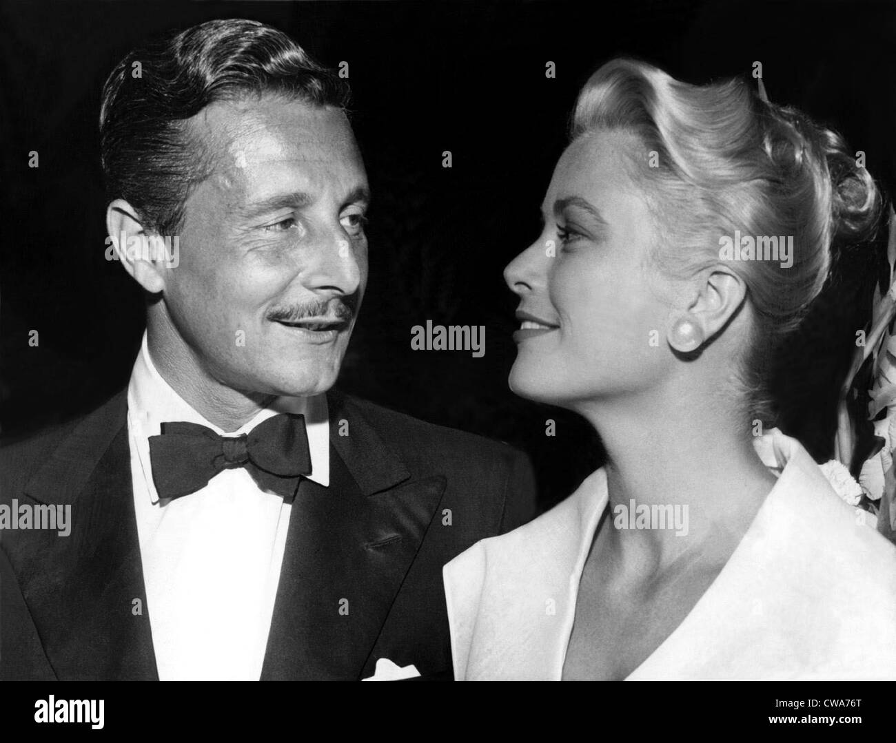 GRACE KELLY with Oleg Cassini. 1954. Courtesy: CSU Archives / Everett Collection - Stock Image