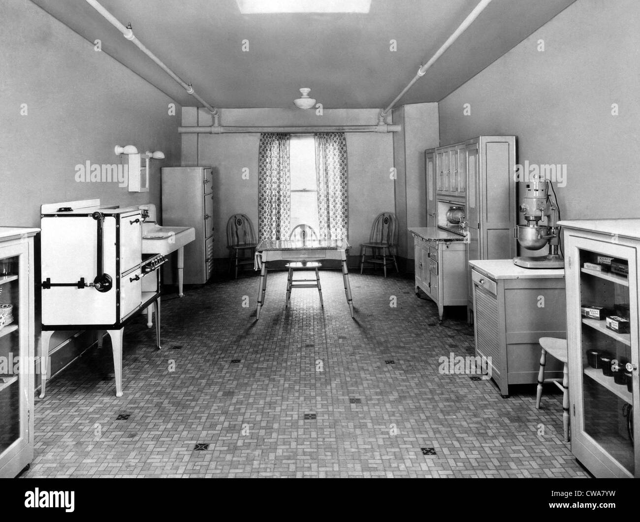 the first kraft kitchen circa 1924 courtesy csu archiveseverett collection - 1920s Kitchen