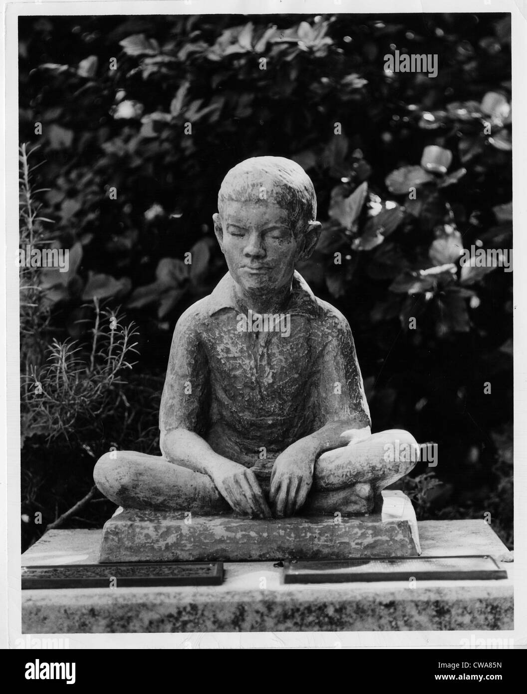Statue of Louis Braille in Bermuda's Garden of the Blind, 1964. Courtesy: CSU Archives/Everett Collection - Stock Image