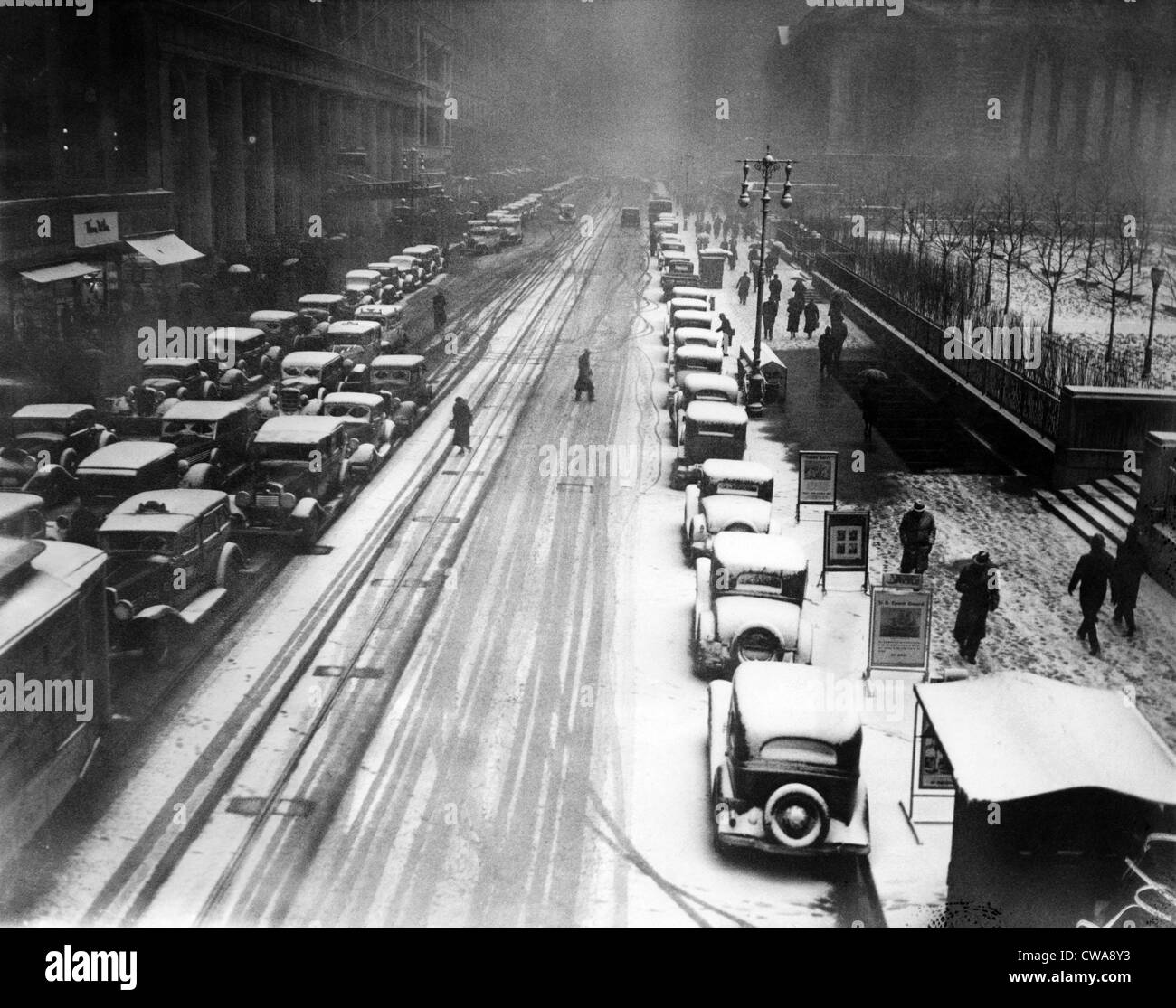 A heavy snowfall, 42nd Street, looking east from 6th Avenue, New York City, January 22, 1935. Courtesy: CSU Archives/Everett - Stock Image