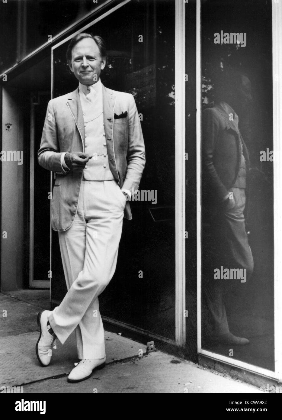Tom Wolfe in 1981. Courtesy: CSU Archives / Everett Collection - Stock Image