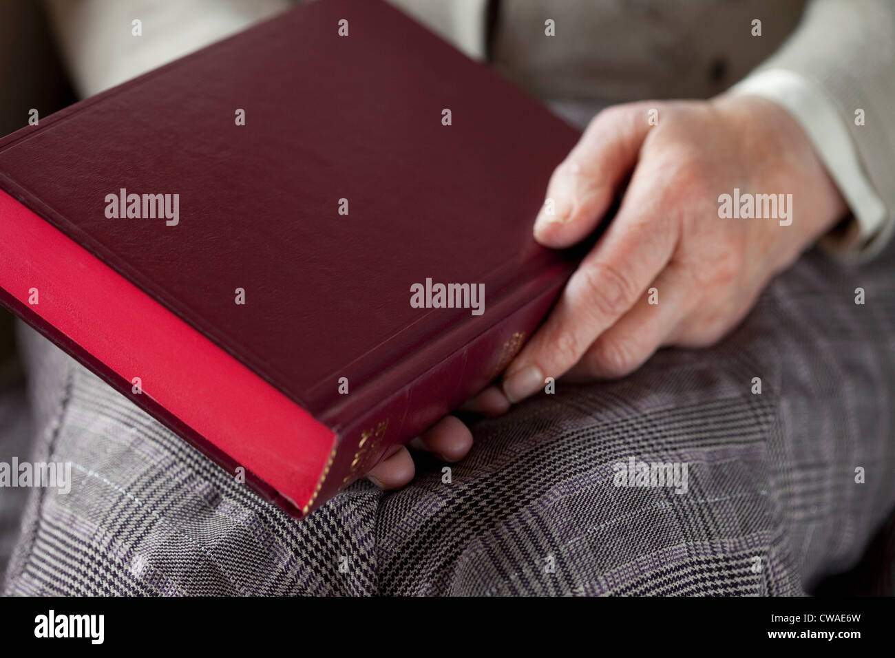 Old Anatomy Book Stock Photos & Old Anatomy Book Stock Images - Alamy