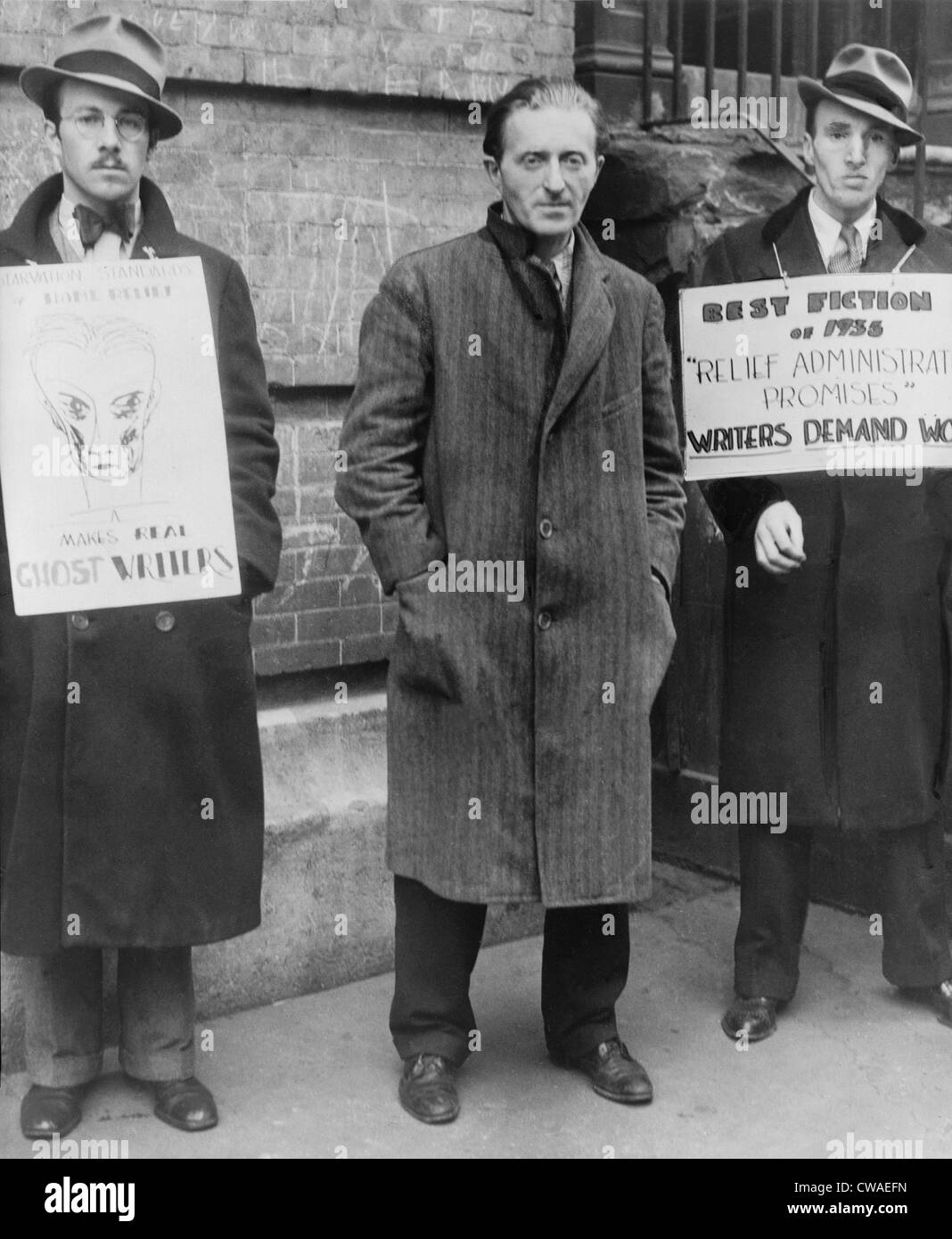 Maxwell Bodenheim (1893-1954), Greenwich Village poet, and three supporters with signs, asking for relief money - Stock Image