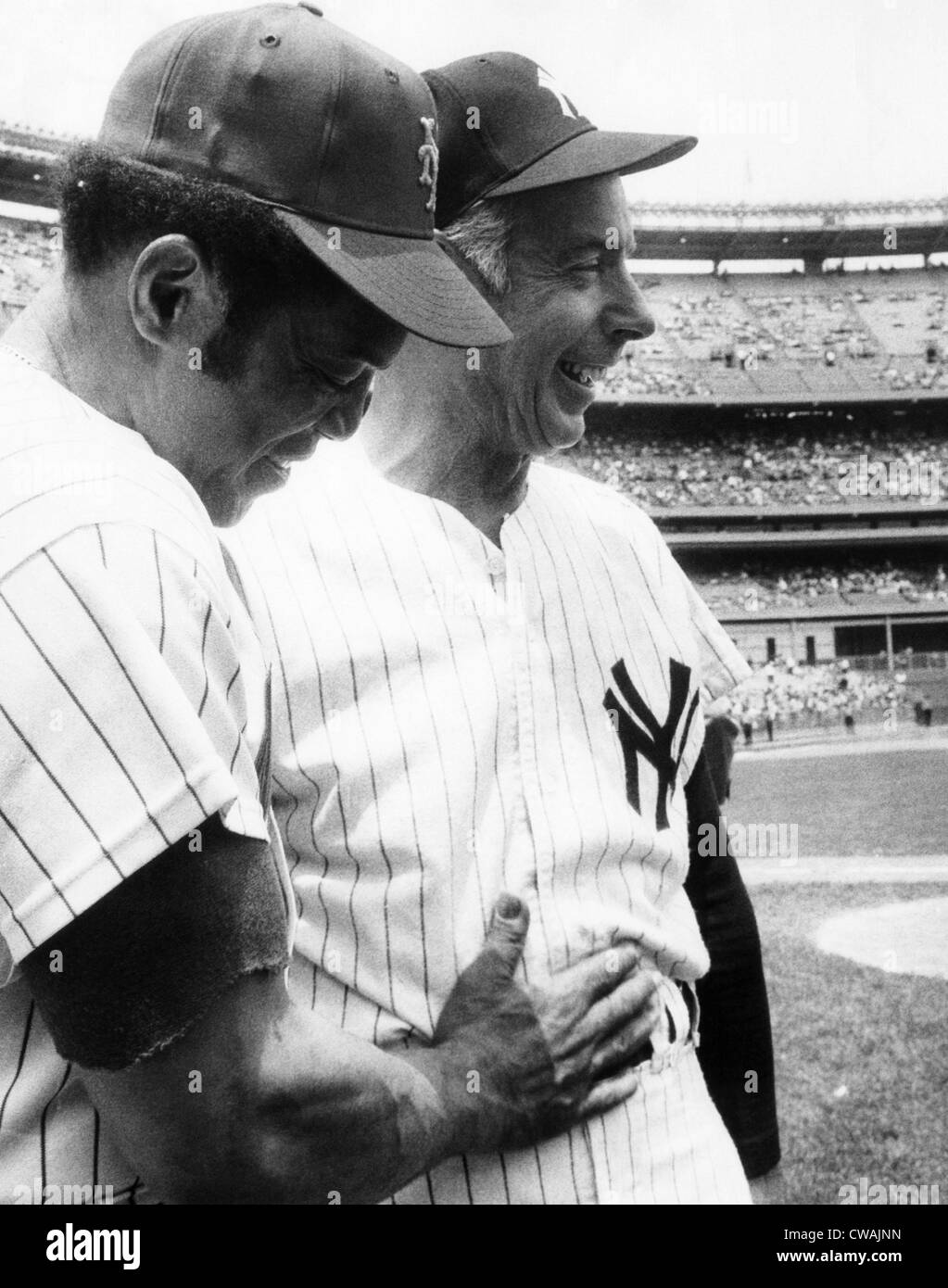 Willie Mays and Joe DiMaggio at Shea Stadium, 1973. Courtesy: CSU Archives/Everett Collection - Stock Image