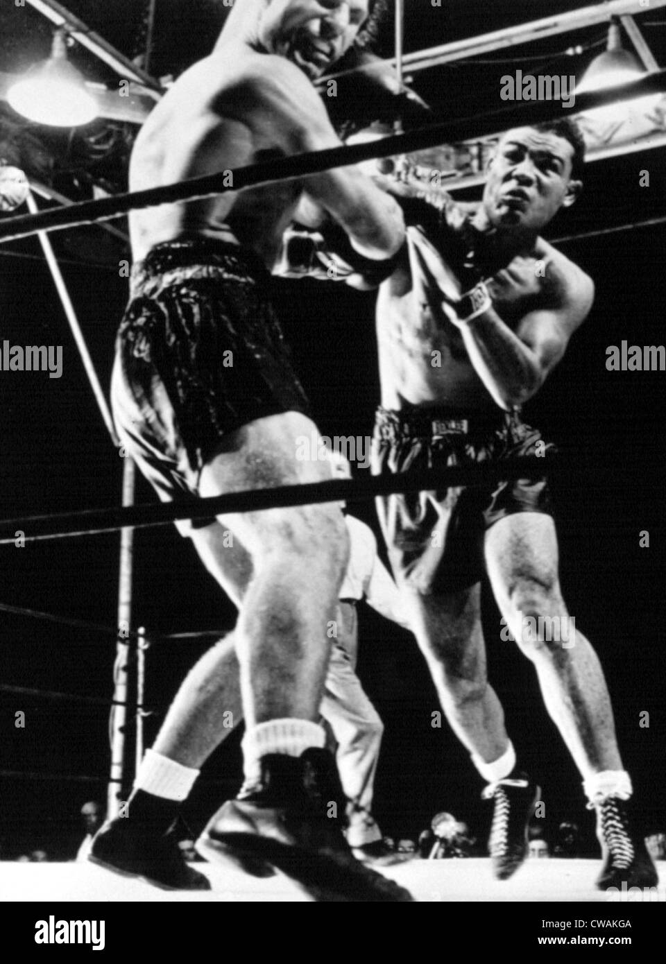 JOE LOUIS delivers knockout punch to Lou Nova, Yankee Stadium 06/41. Courtesy: CSU Archives / Everett Collection - Stock Image