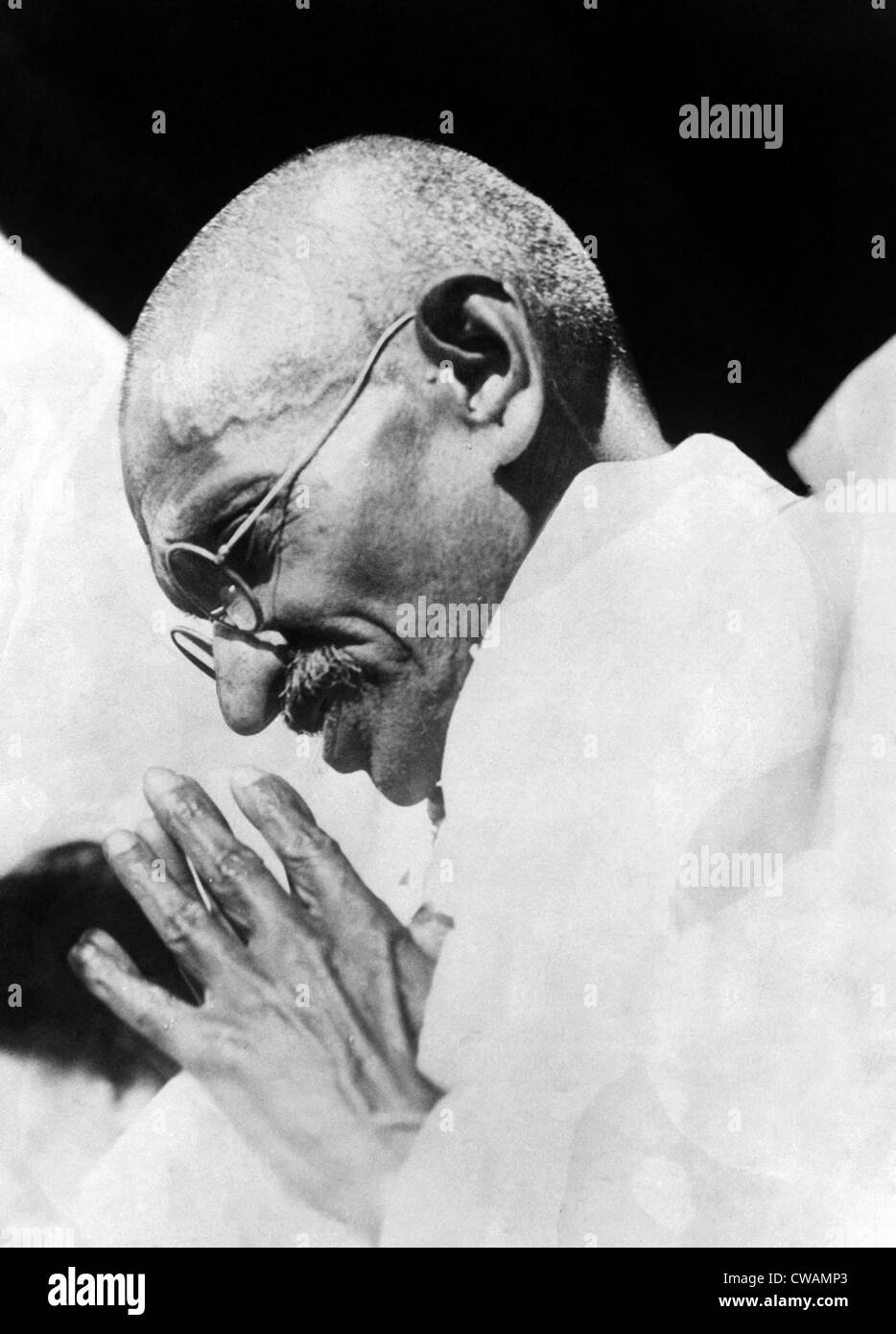 Mahatma Gandhi following his release from a Bombay prison. ca 1931. Courtesy: CSU Archives/Everett Collection - Stock Image