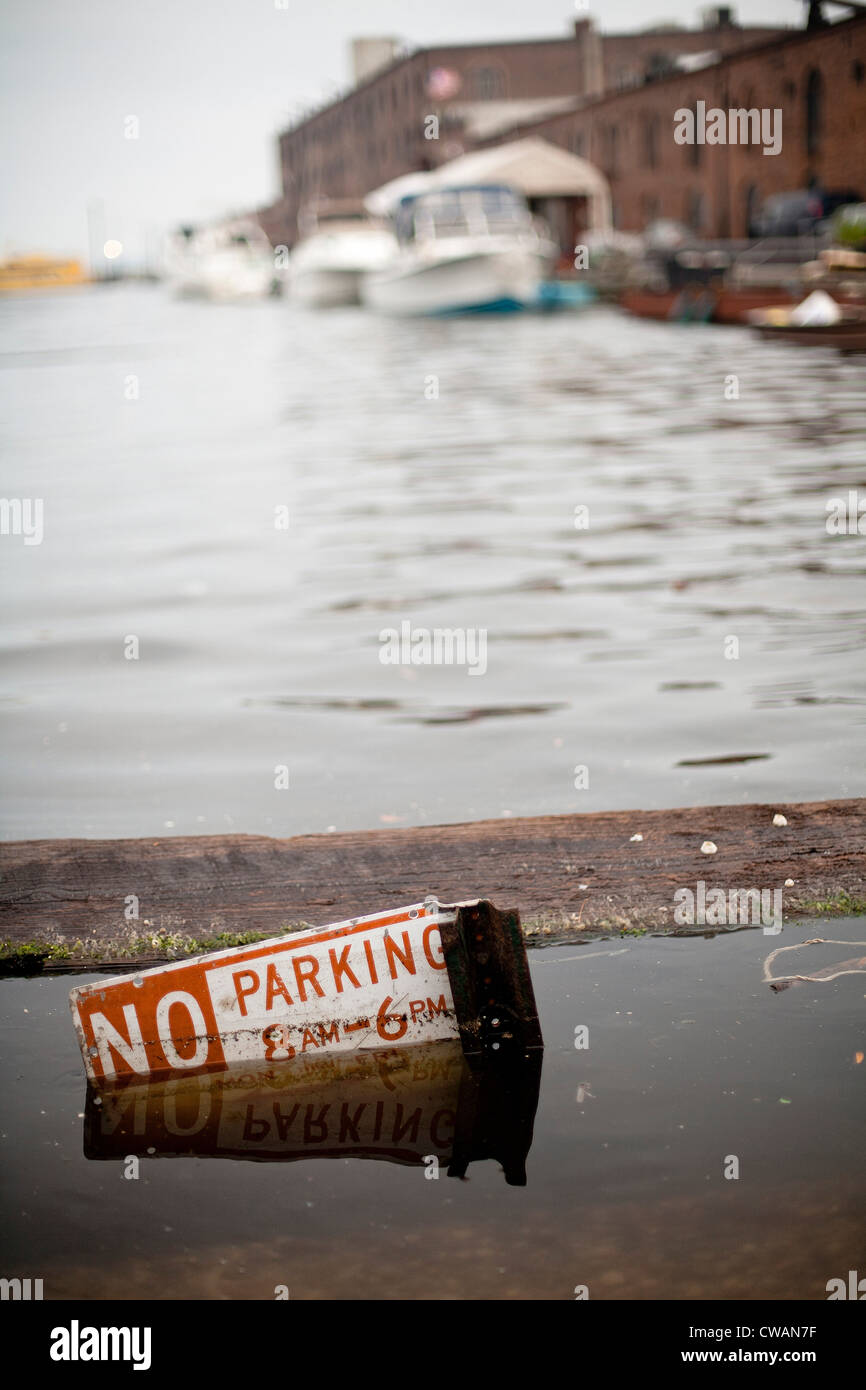 Submerged no parking sign - Stock Image