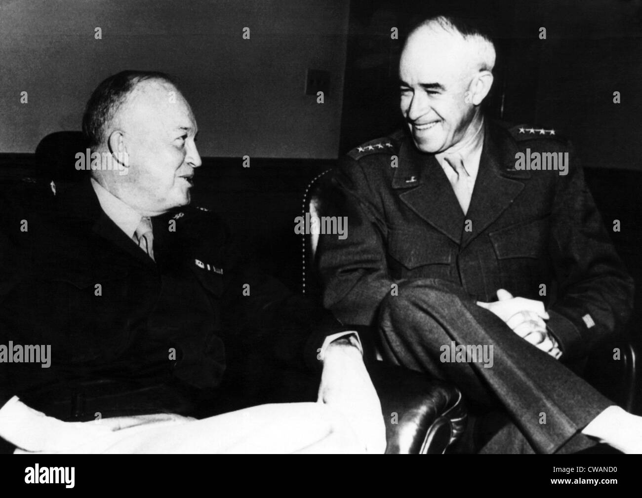 General Omar Bradley and General Dwight D. Eisenhower, 1947. Courtesy: CSU Archives/Everett Collection - Stock Image