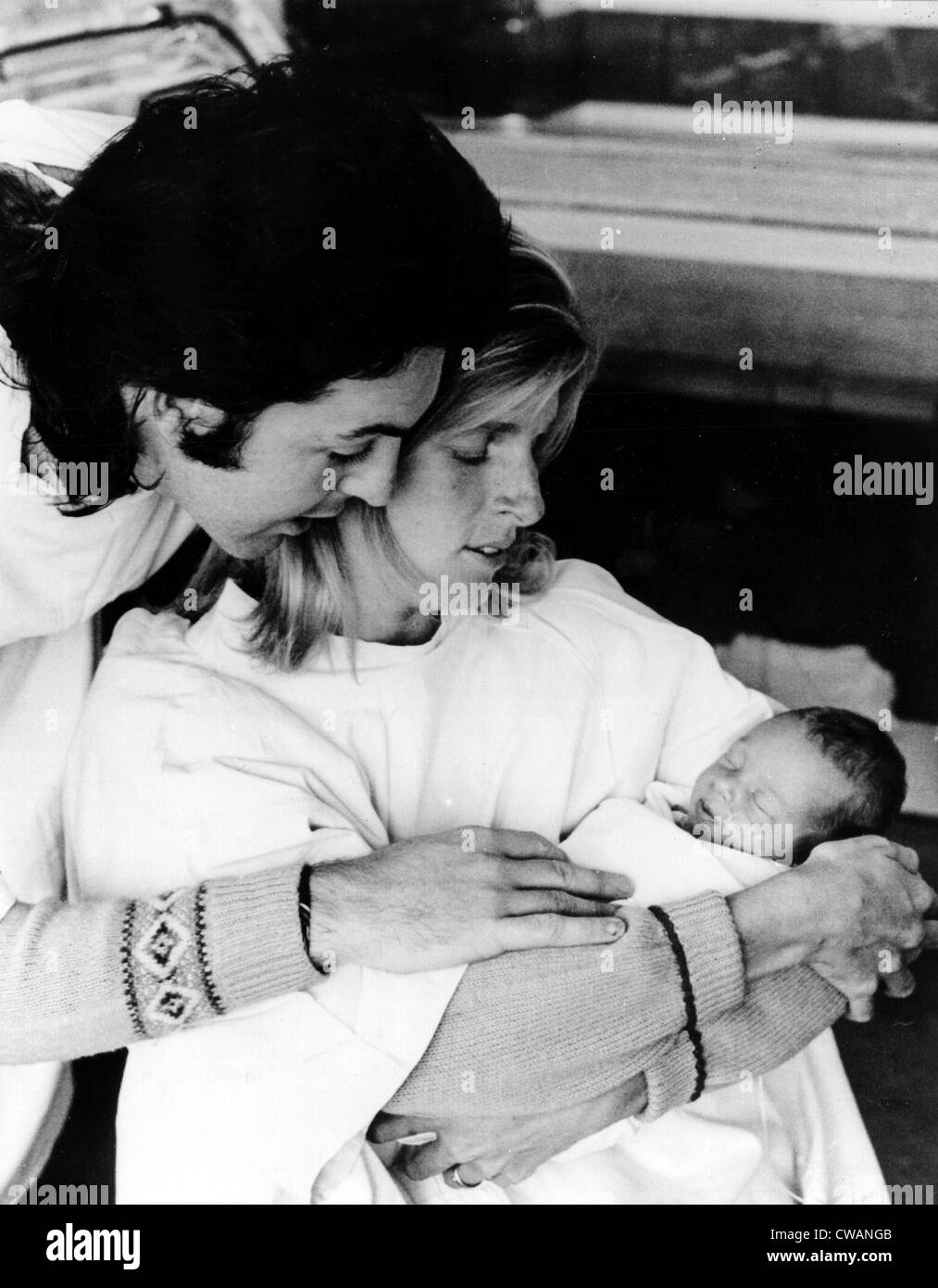 Paul and Linda McCartney with newborn daughter Stella, September 17, 1971. Courtesy: CSU Archives / Everett Collection - Stock Image
